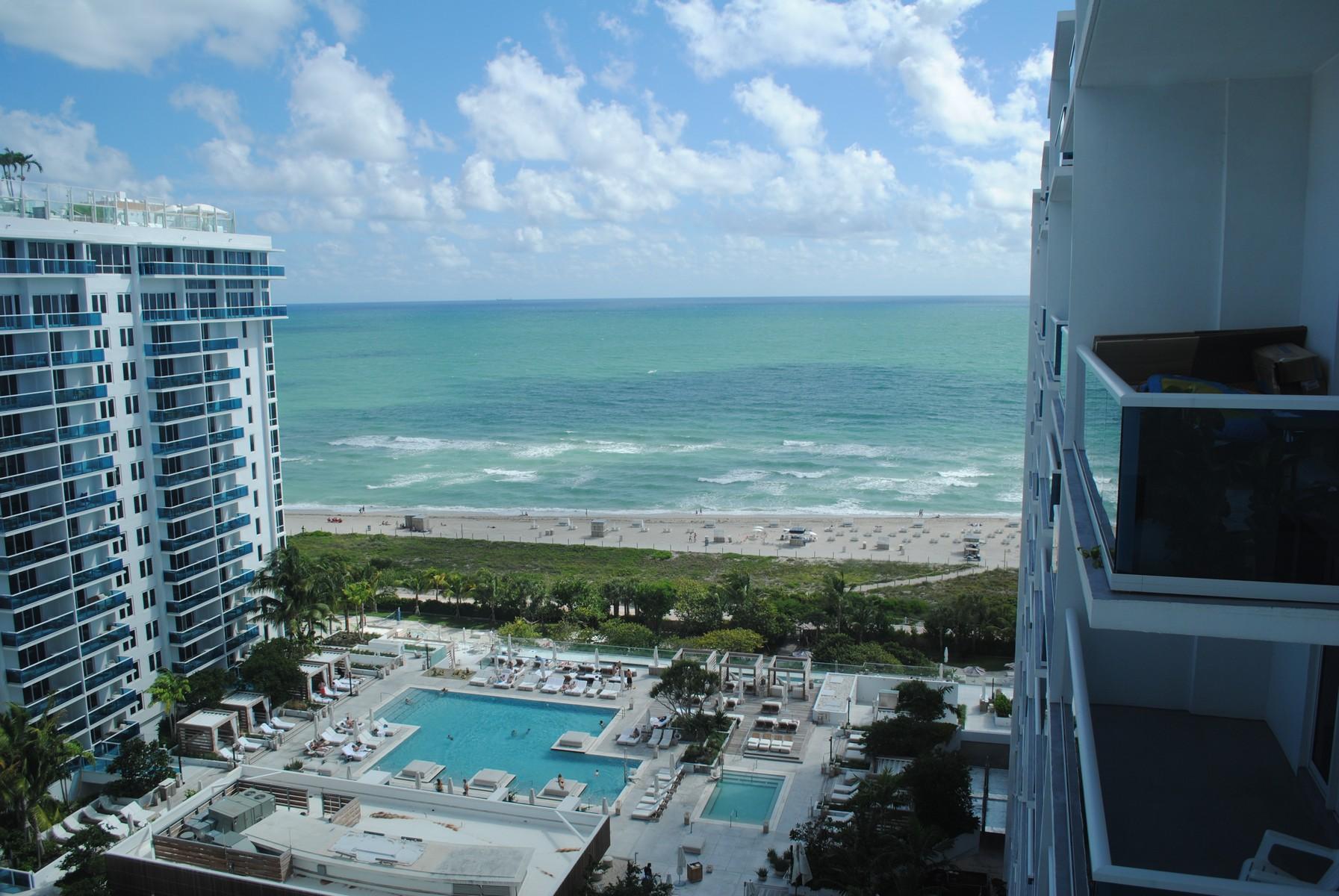 콘도미니엄 용 매매 에 2301 Collins Ave #1623 Miami Beach, 플로리다 33139 미국
