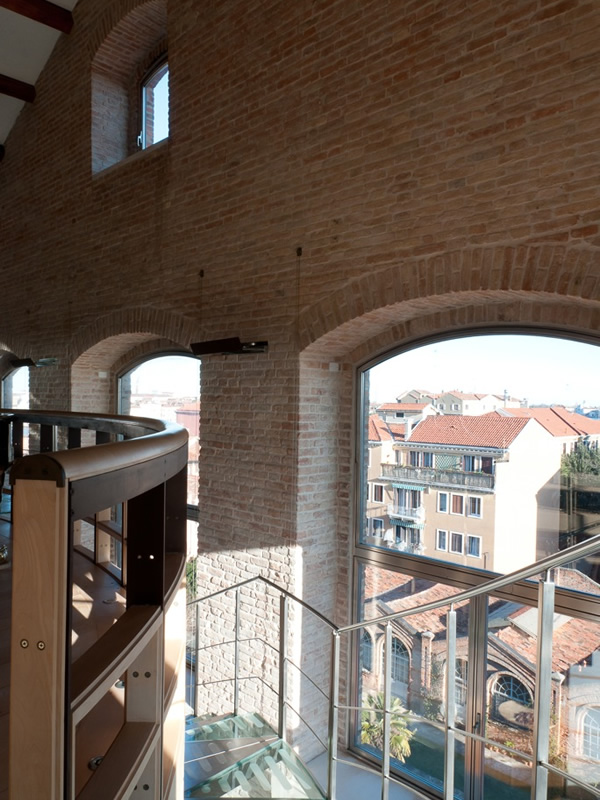 Additional photo for property listing at Top Designer Loft Apartment  Venice, Venice 30133 Italia