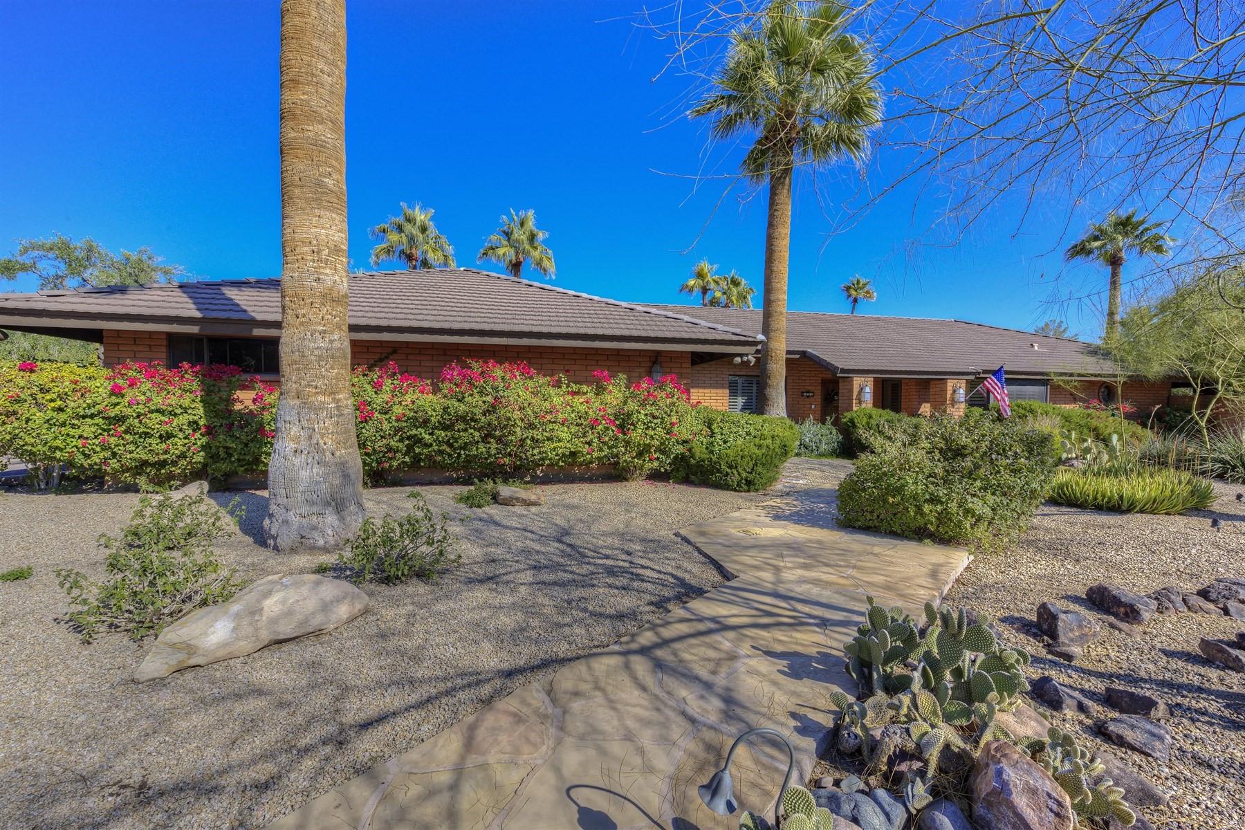 獨棟家庭住宅 為 出售 在 Gracious Paradise Valley home 3930 E Rancho Dr Paradise Valley, 亞利桑那州, 85253 美國