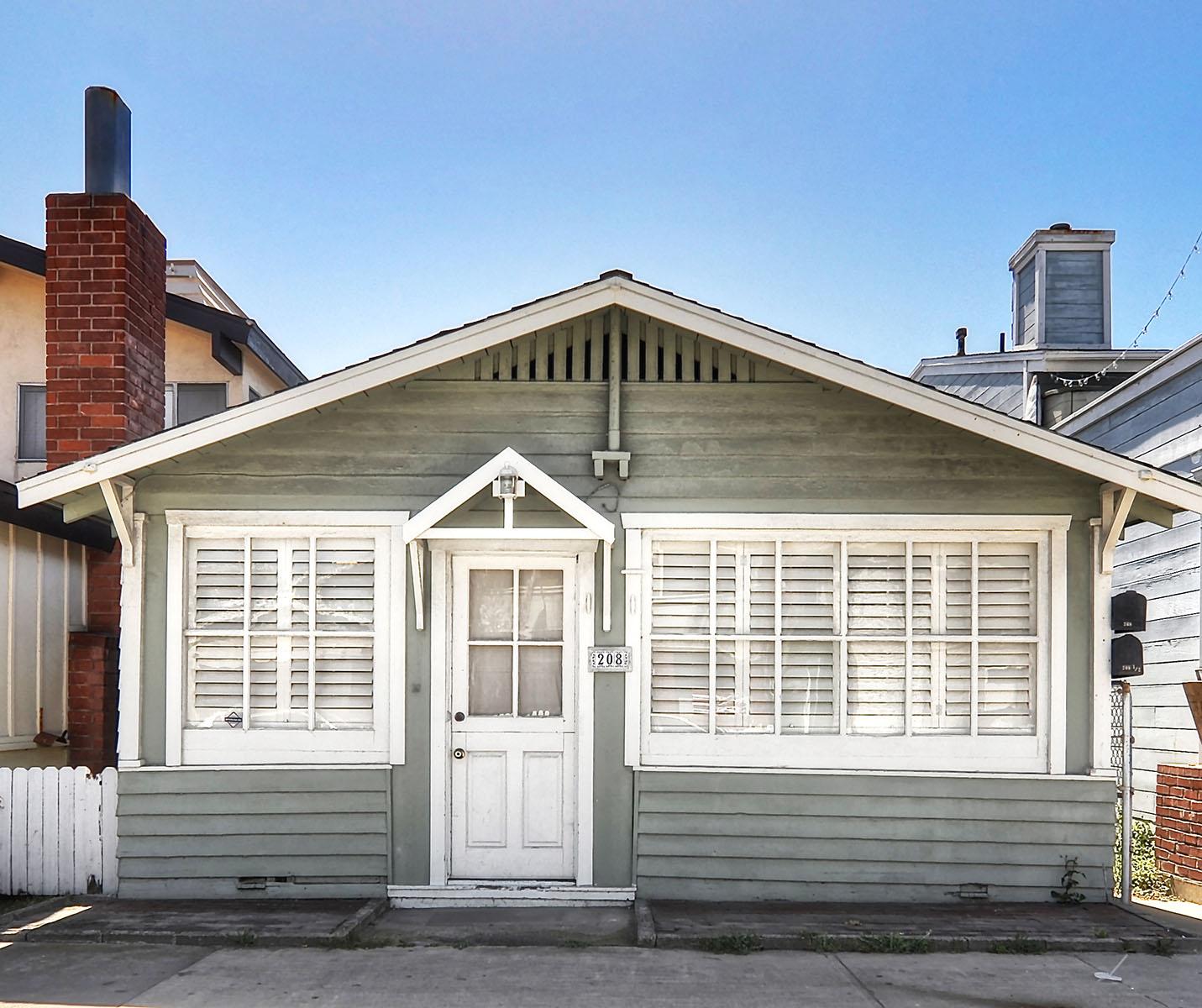 Casa Unifamiliar por un Venta en 208 29th Street Newport Beach, California 92663 Estados Unidos