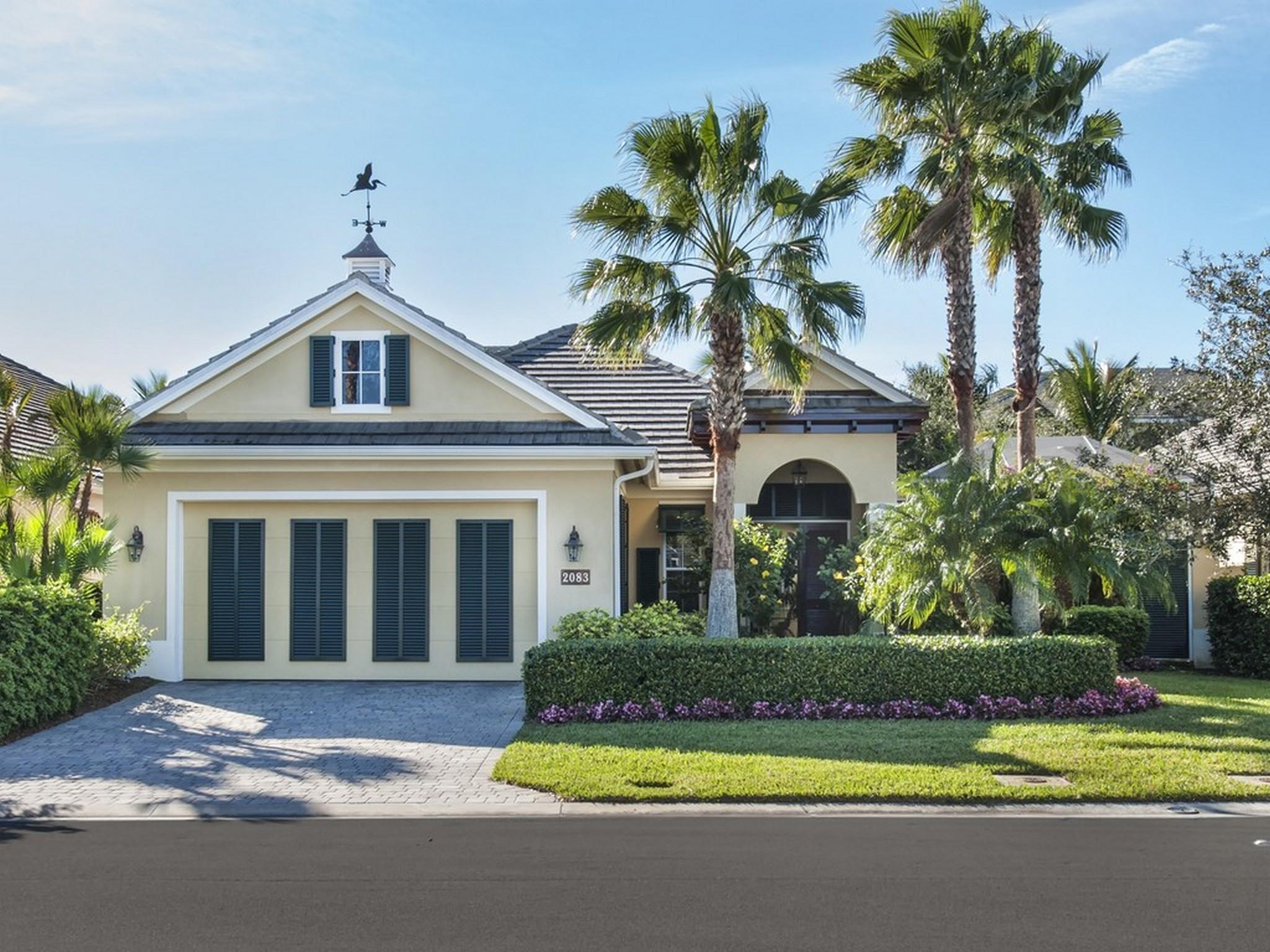 단독 가정 주택 용 매매 에 Lovely West Indies Style home in Seasons 2083 Indian Summer Lane Vero Beach, 플로리다 32963 미국