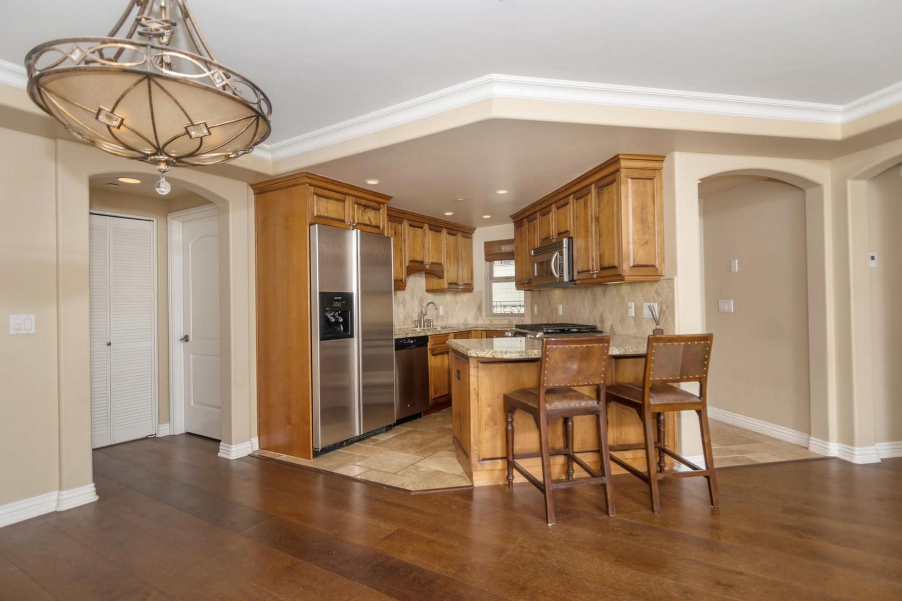 Appartement en copropriété pour l Vente à 7575 Eads Ave 205 7575 Eads Avenue 205 La Jolla, Californie 92037 États-Unis
