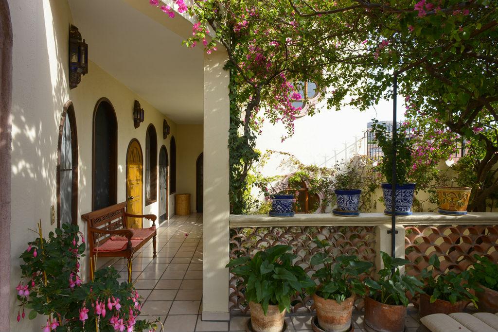 Additional photo for property listing at Suspiros  San Miguel De Allende, Guanajuato 37700 Mexico