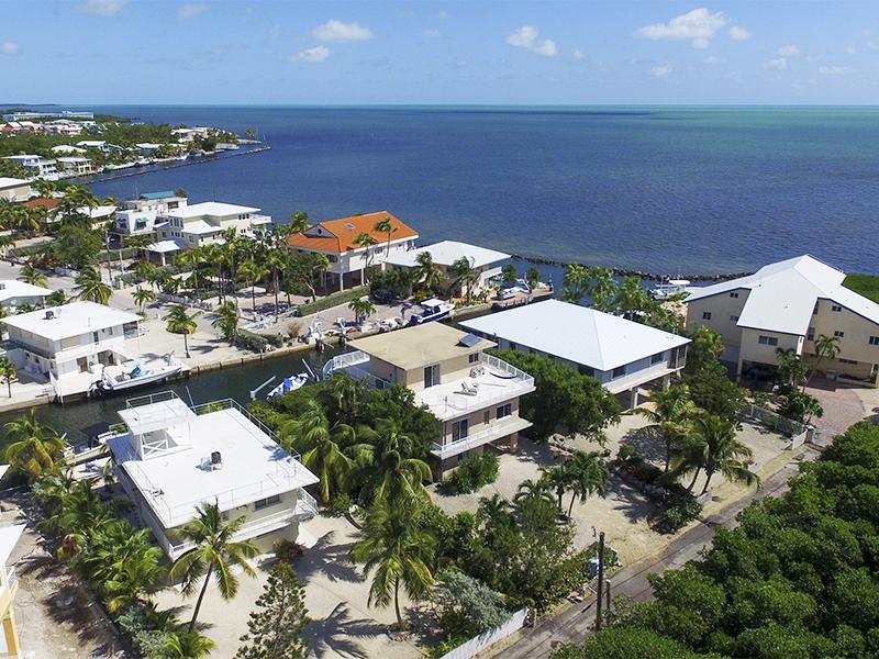 独户住宅 为 销售 在 Ocean Views 131 Stinger Road 拉哥, 佛罗里达州, 33070 美国