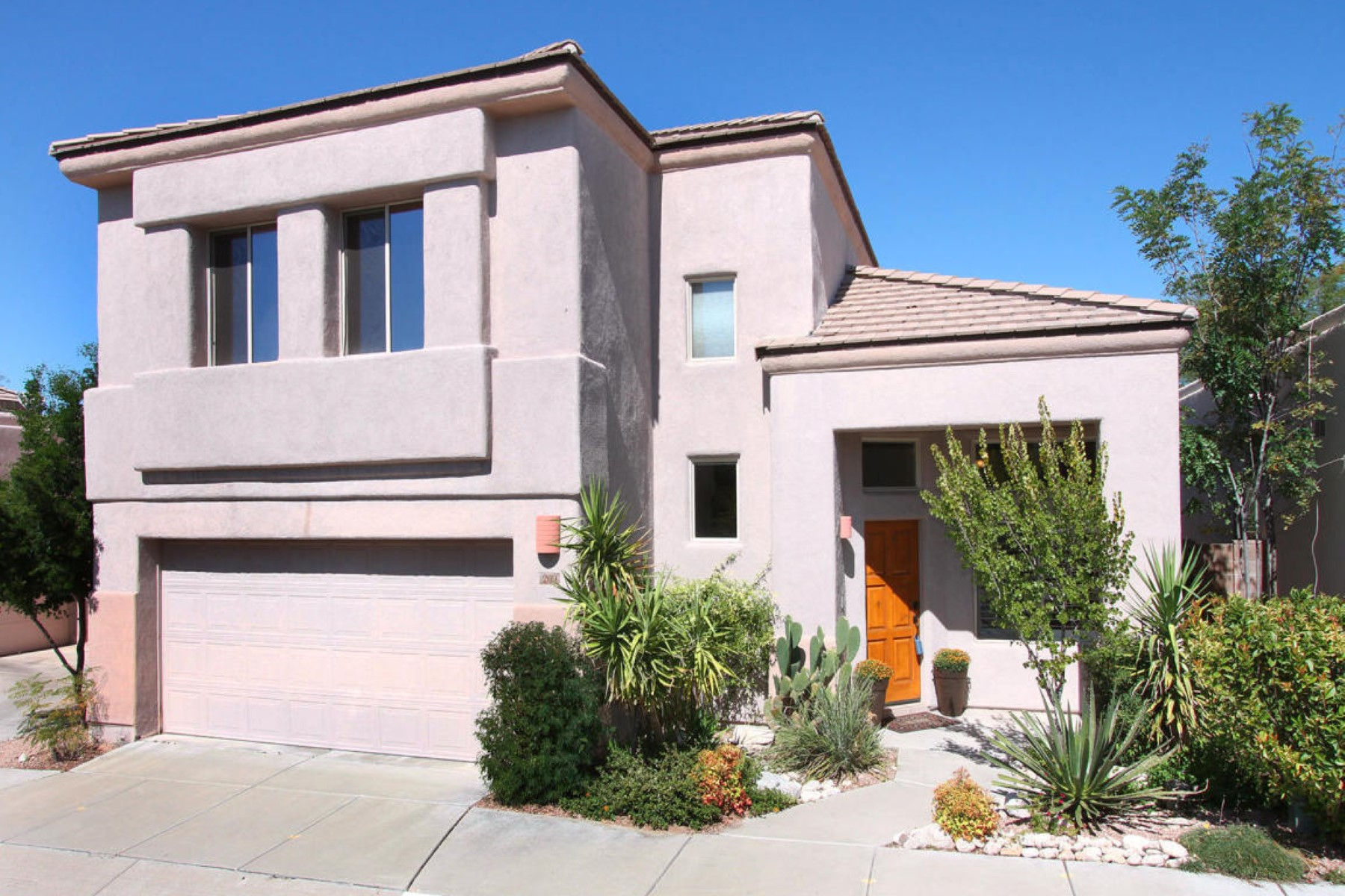 rentals property at Beautiful well maintained home with mountain views