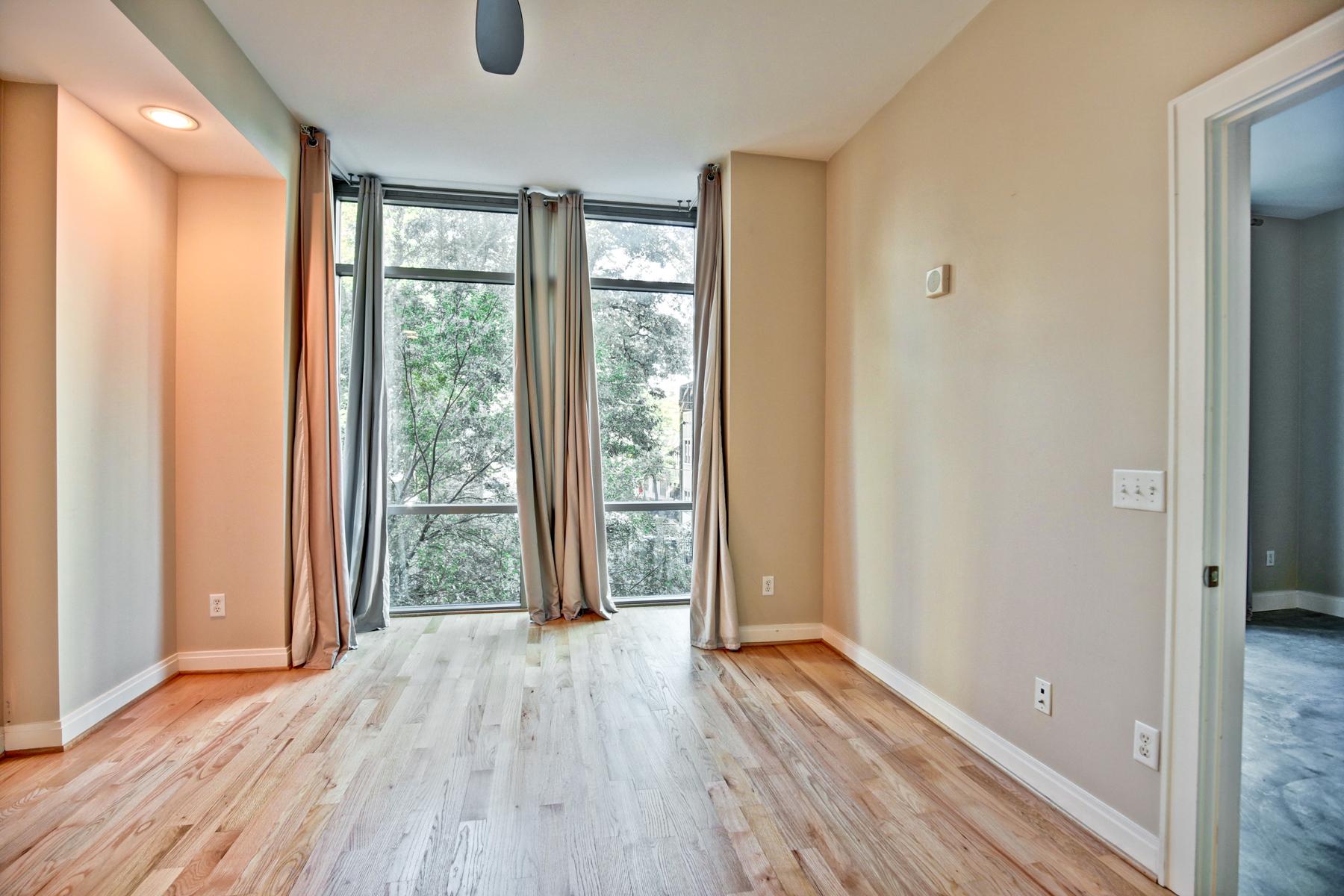 Property Of Amazing One Bedroom in Popular Midtown