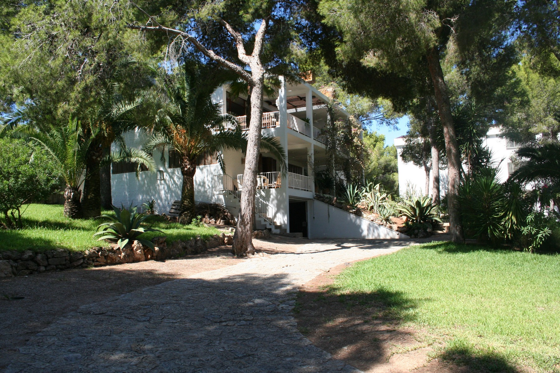 Single Family Home for Sale at Villa on a large plot close to a small beach Santa Ponsa, Mallorca, 07180 Spain