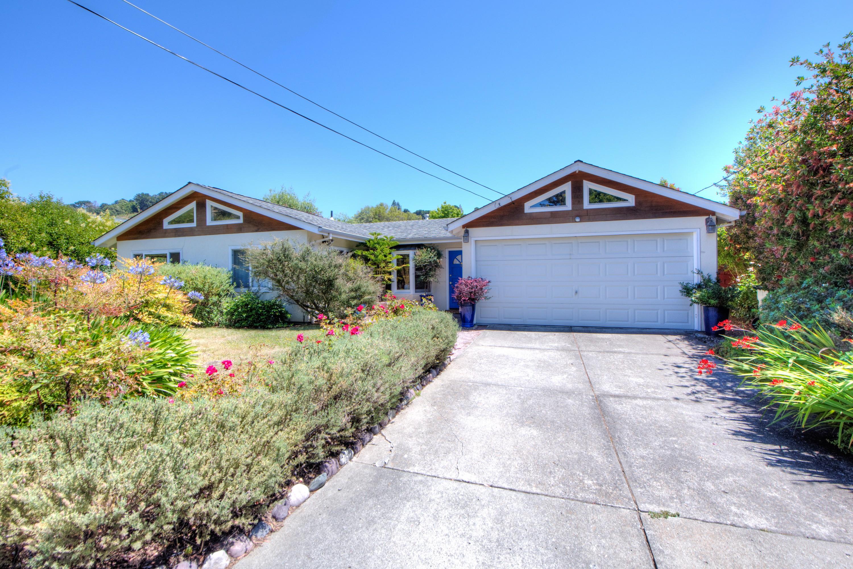 Einfamilienhaus für Verkauf beim Belveron Gardens Charmer 46 Mercury Avenue Tiburon, Kalifornien, 94920 Vereinigte Staaten