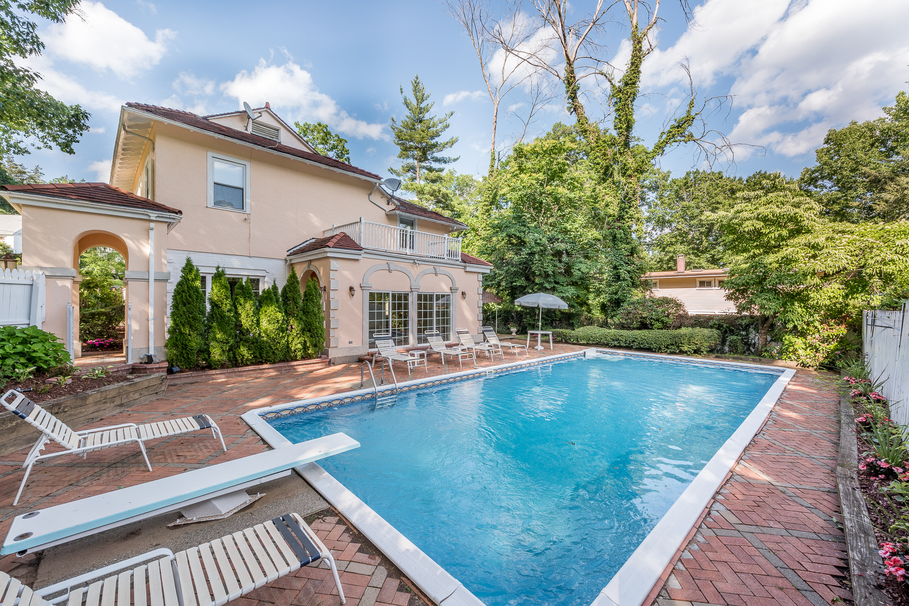Single Family Home for Sale at Exquisite Mediterranean with Pool 126 Alta Vista Drive Crestwood, Yonkers, New York, 10710 United States