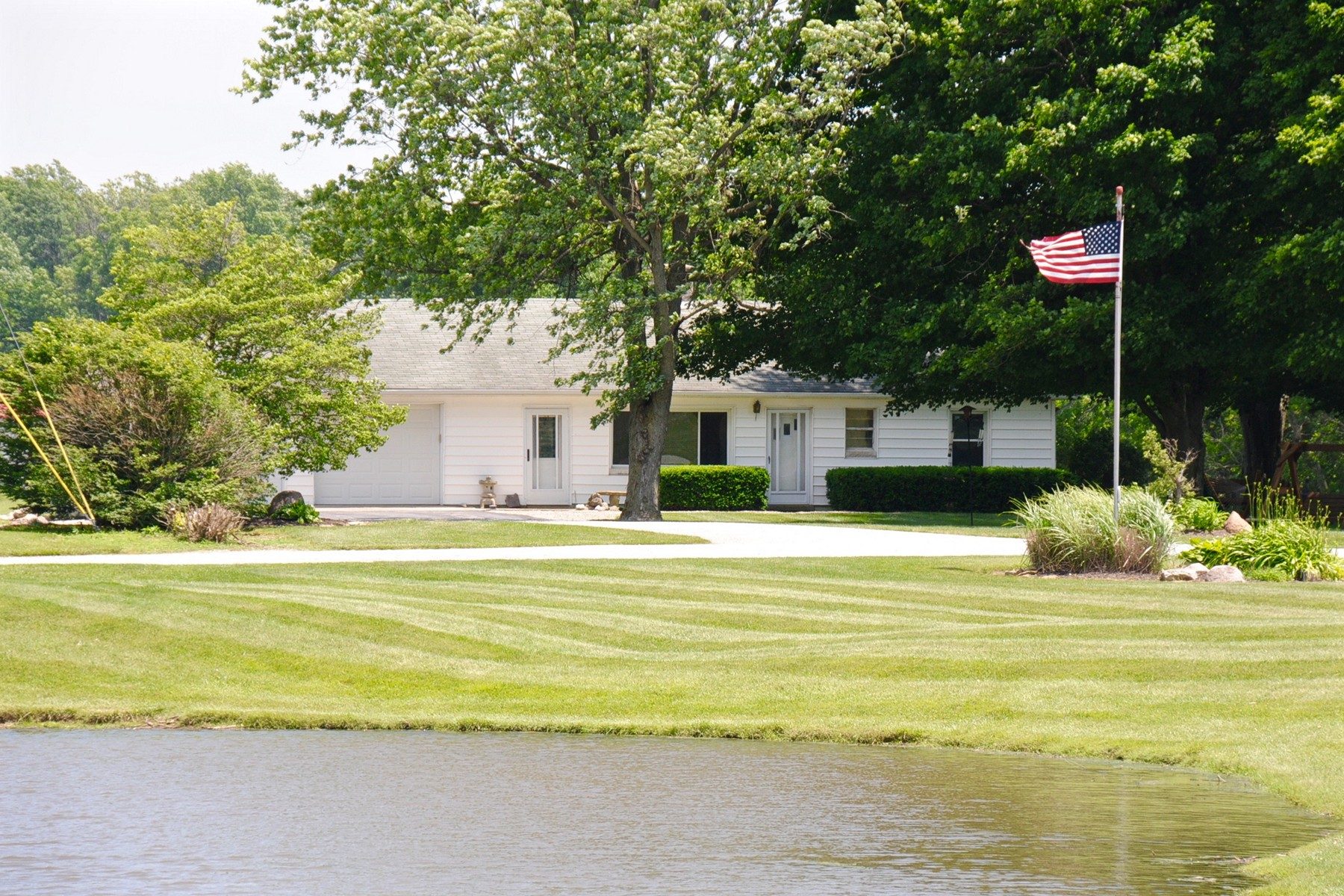 Vivienda unifamiliar por un Venta en Tranquil Views on 19.71 Acres 433 N 700 E Zionsville, Indiana 46075 Estados Unidos