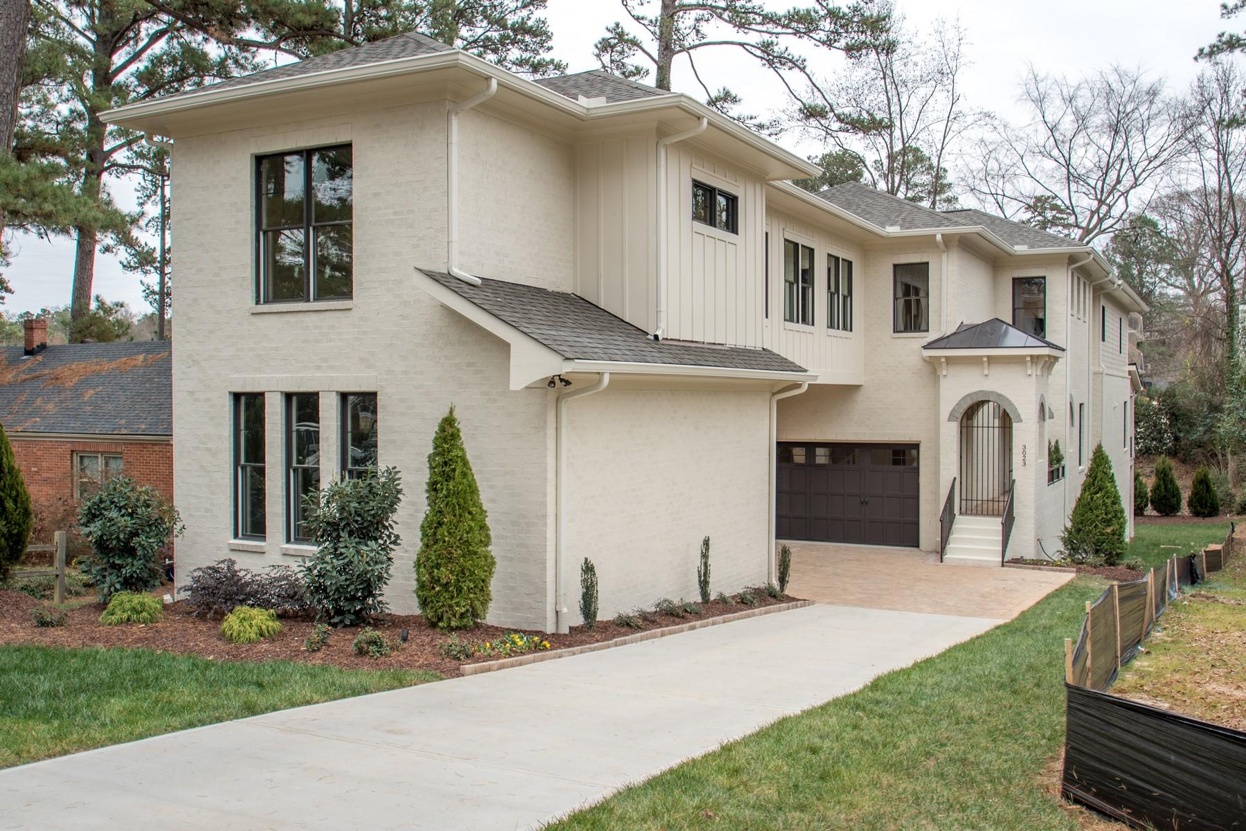 Casa Unifamiliar por un Venta en 3023 Lewis Farm Road Raleigh, Carolina Del Norte, 27607 Estados UnidosEn/Alrededor: Chapel Hill, Cary, Durham