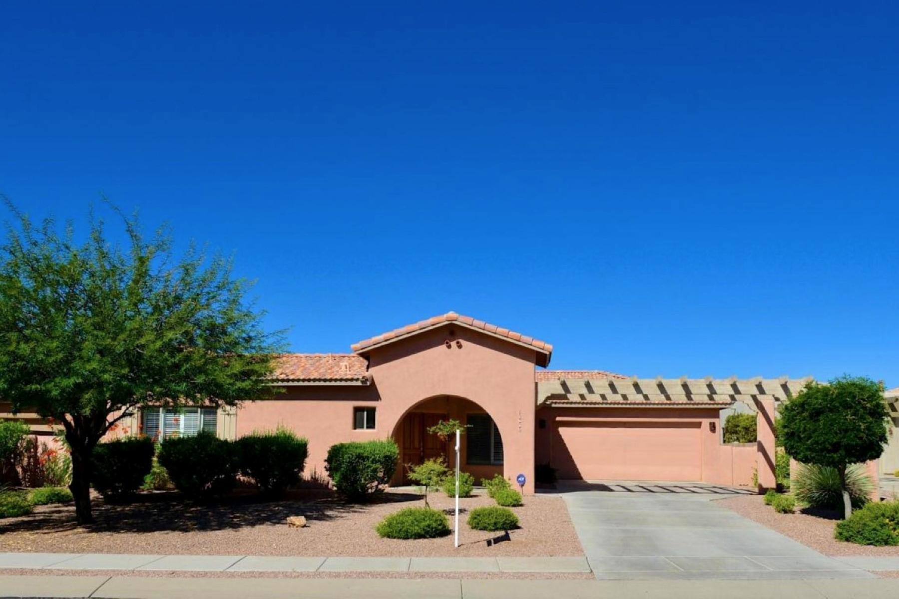 Частный односемейный дом для того Продажа на Fabulous Casual Contemporary Masonary Stucco Built Home 12887 N Eagleview Drive Oro Valley, Аризона 85755 Соединенные Штаты