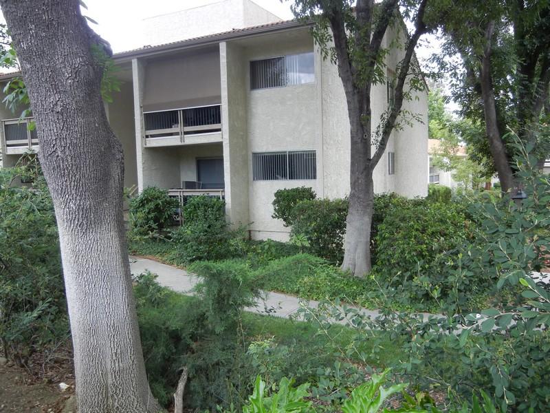 Piso por un Venta en 4606 Park Granada #10 4606 Park Granada 10 Calabasas, California 91302 Estados Unidos