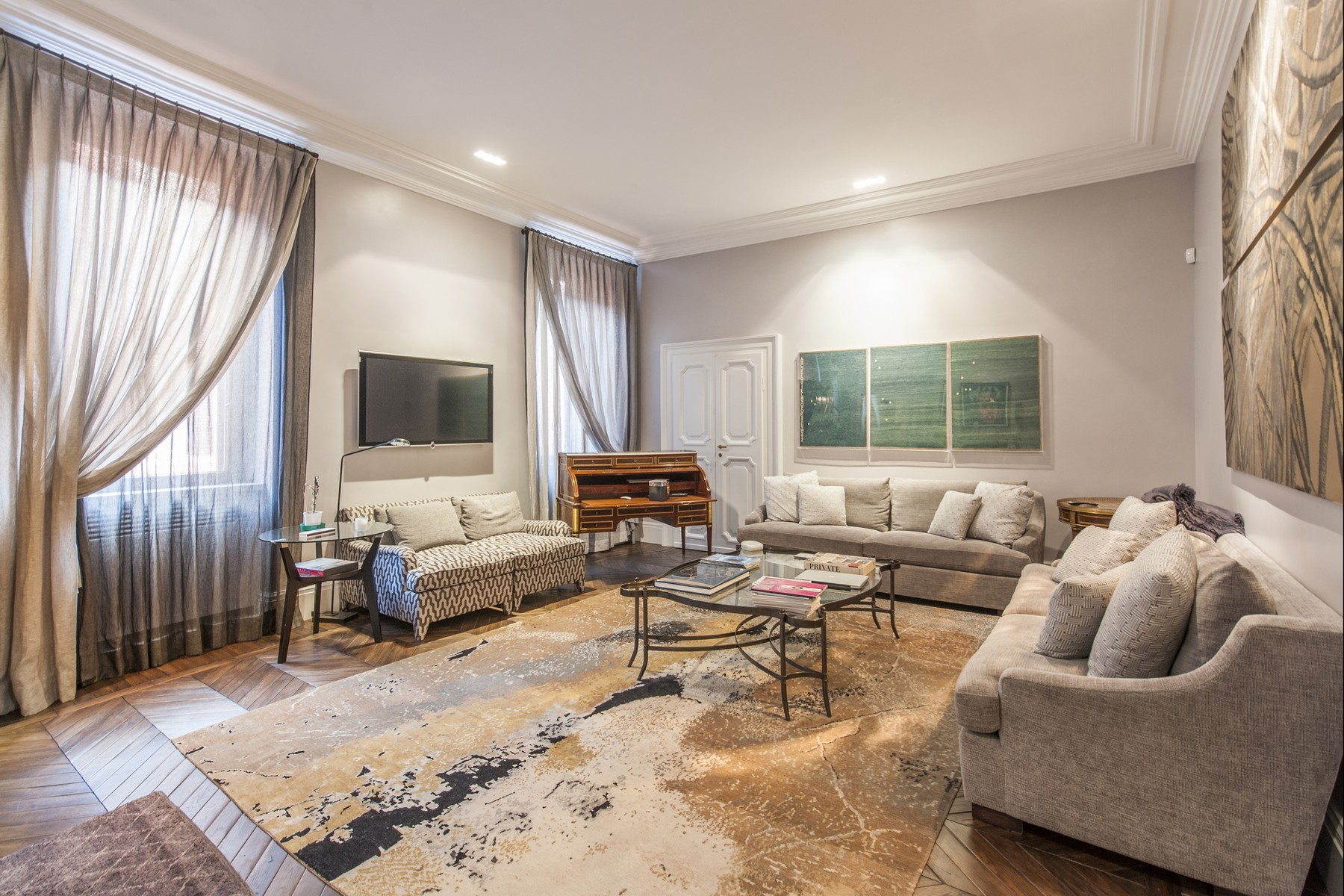 Квартира для того Продажа на Designer apartment a short walk from Via Condotti Via della Fontanella Borghese Rome, Рим, 00186 Италия