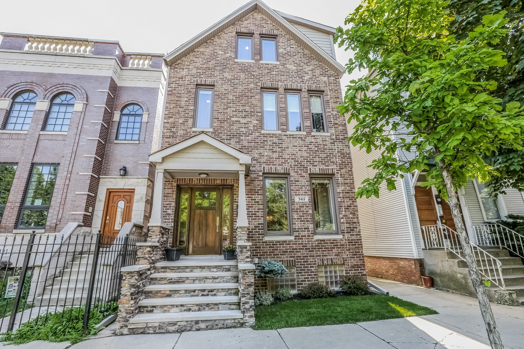 Maison unifamiliale pour l Vente à Recently Renovated Home in Roscoe Village 3417 N Oakley Avenue Chicago, Illinois, 60618 États-Unis