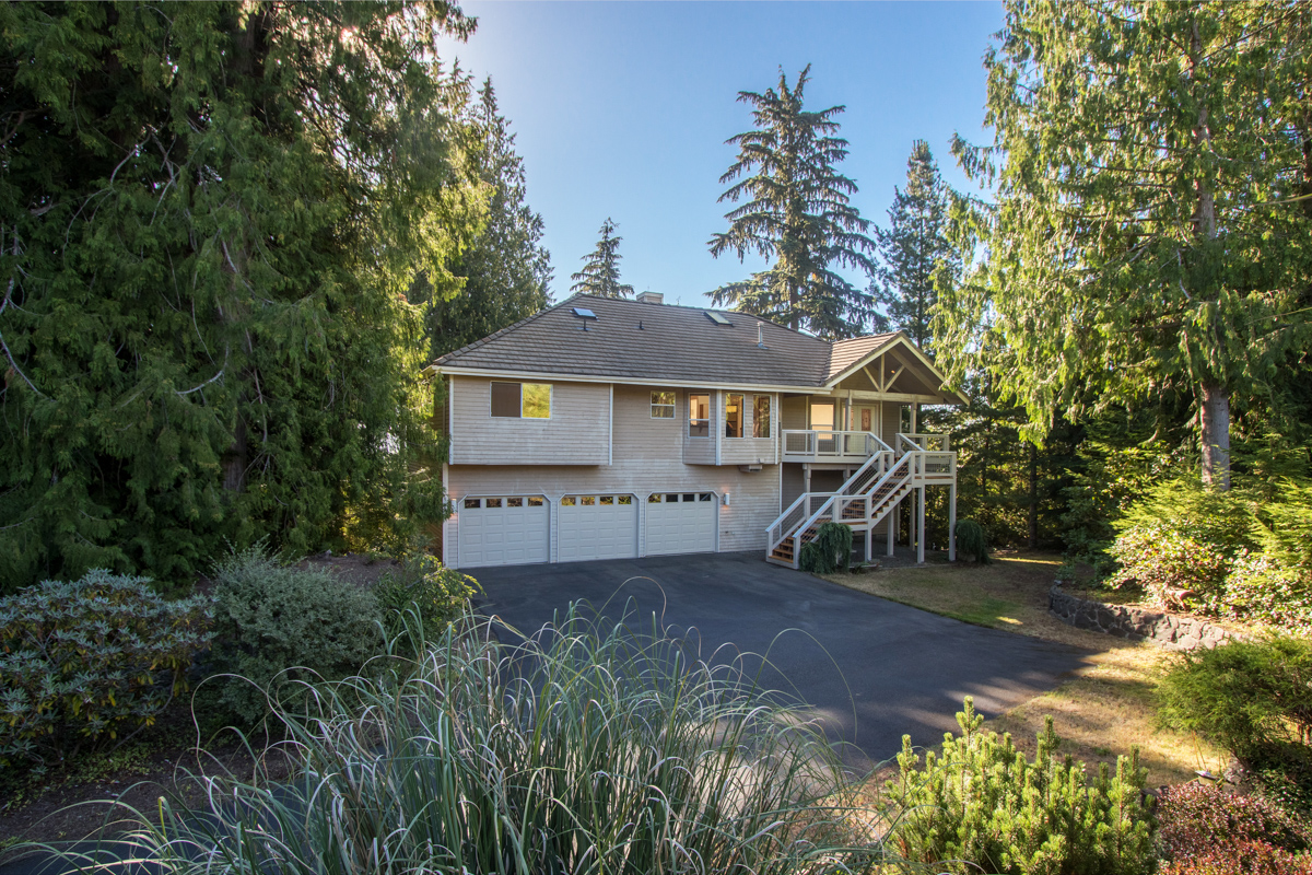 Single Family Home for Sale at Water View Home on 1 Acre 7289 Lone Eagle Place NW Bremerton, Washington 98312 United States