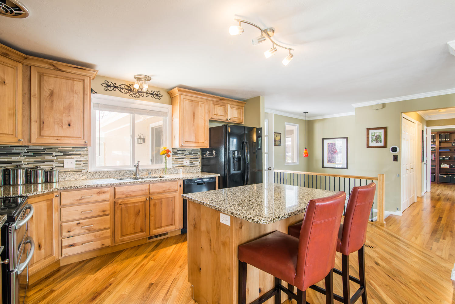 Single Family Home for Sale at Mid-Century Modern with Open Floor Plan 8040 South Kendall Boulevard Littleton, Colorado, 80128 United States