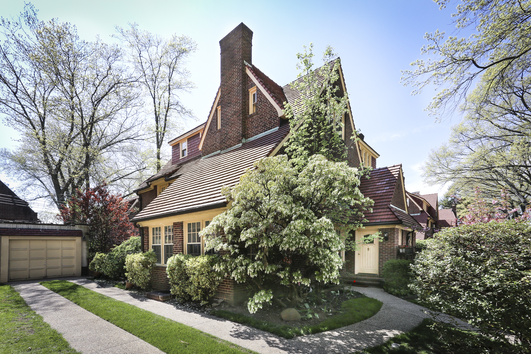 "Single Family Home for Rent at ""STUNNING SEMI-ATTACHED HOUSE ON TREE LINED STREET"" Forest Hills, New York 11375 United States"
