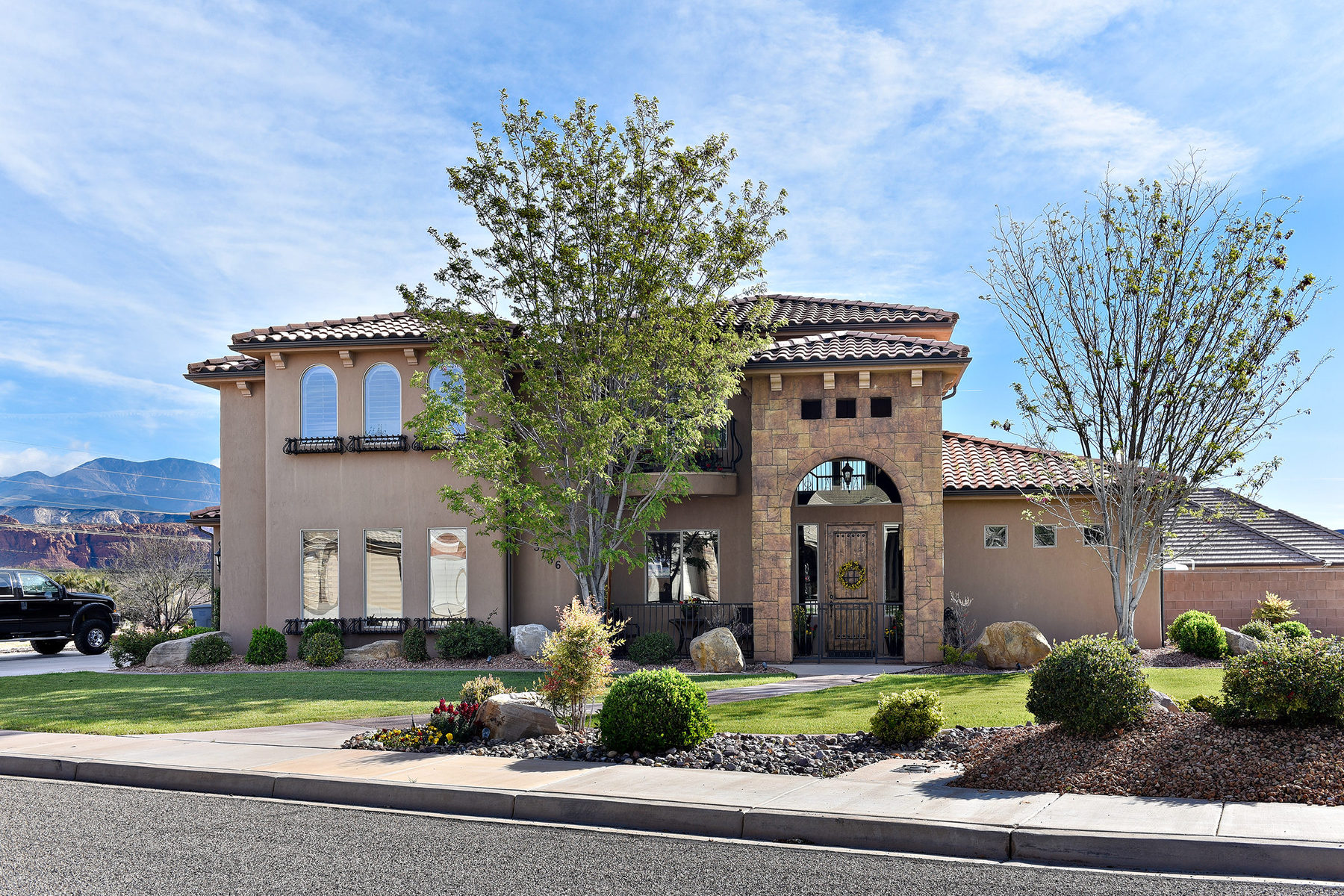 Single Family Home for Sale at Beautiful home in one of the best areas of Santa Clara! 3736 Sagebrush Dr Santa Clara, Utah 84765 United States