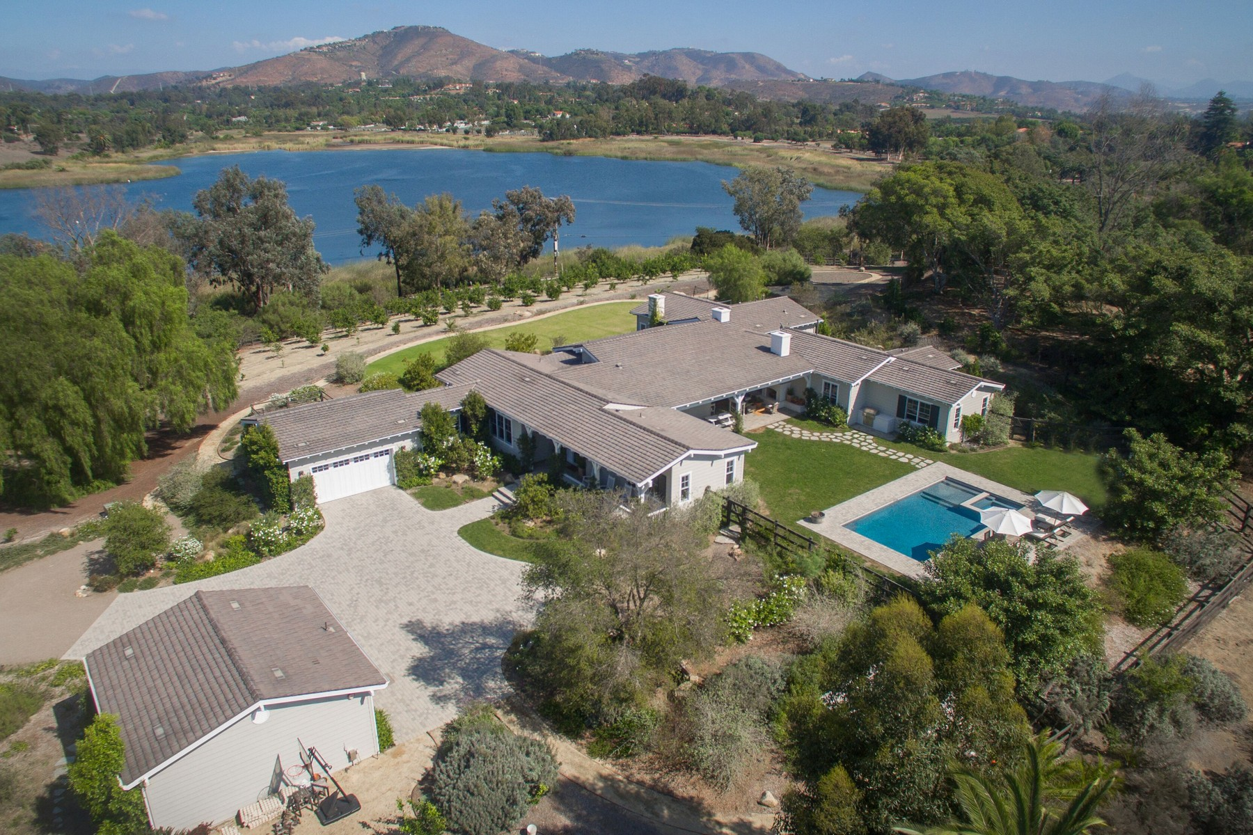 Single Family Home for Sale at 6337 El Montevideo Rancho Santa Fe, California 92067 United States