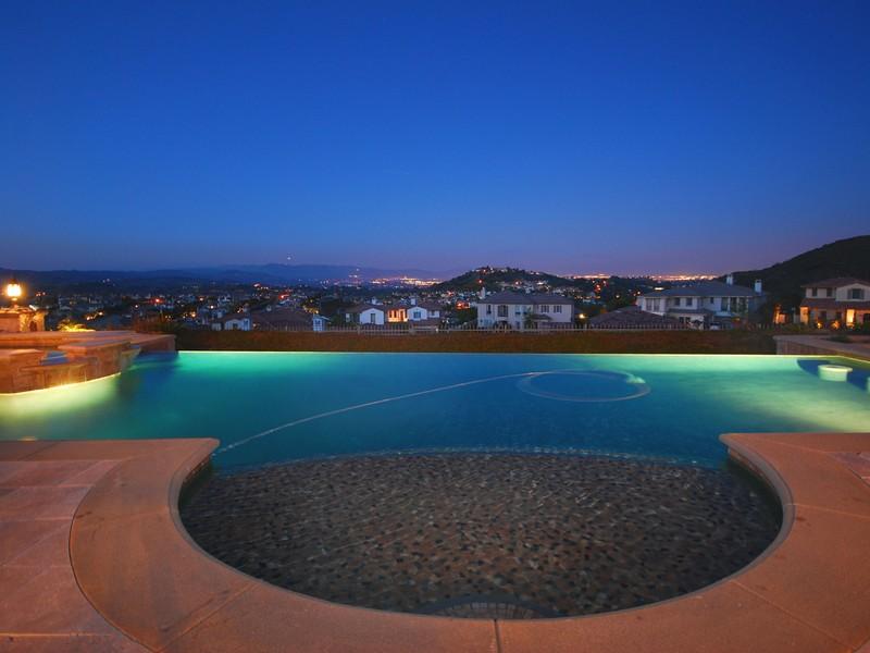 Single Family Home for Sale at 25441 Prado De Azul Calabasas, California 91302 United States