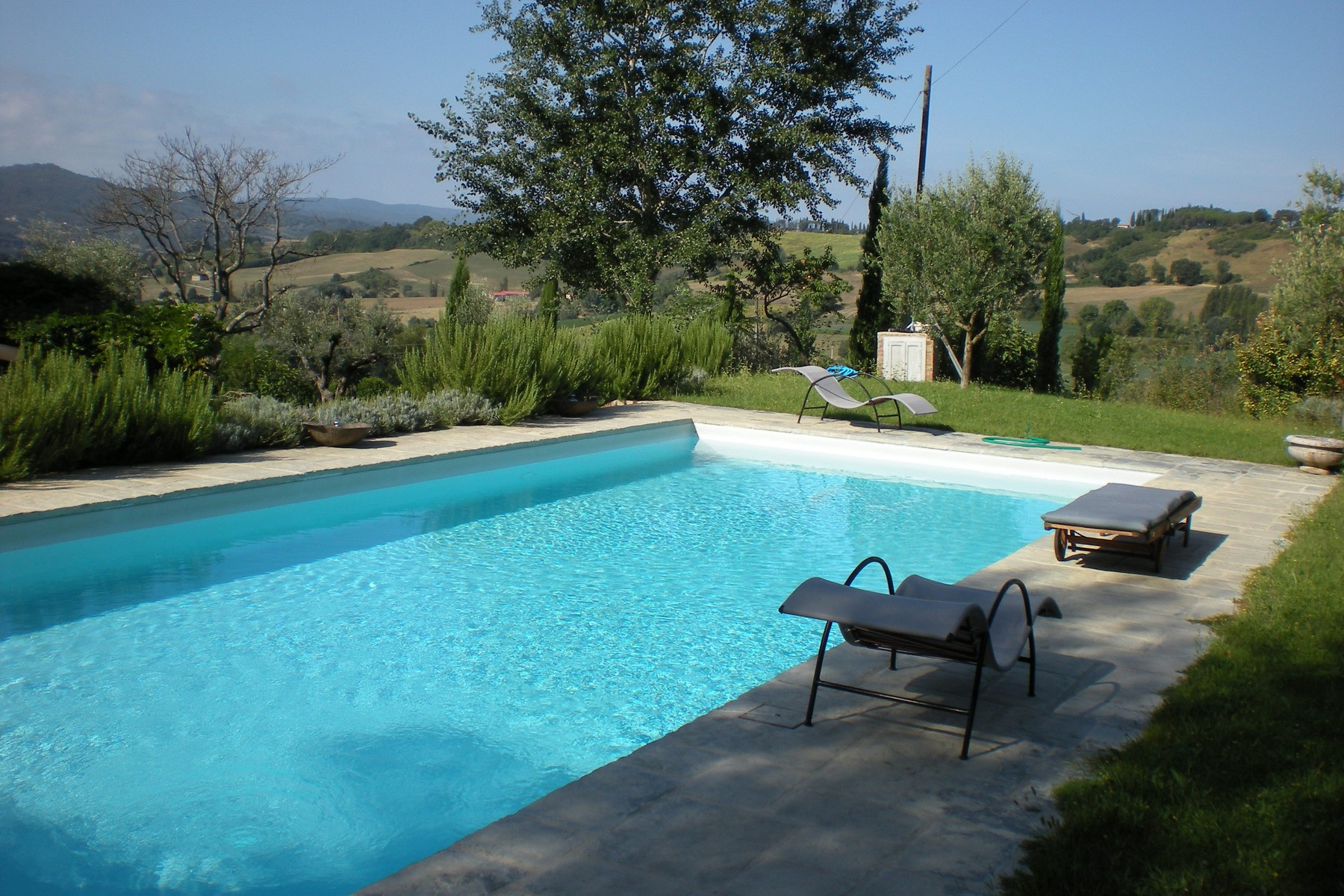 Additional photo for property listing at Stone farmhouse with stunning views Voc. Caibizzocco Montone, Perugia 06014 Italia