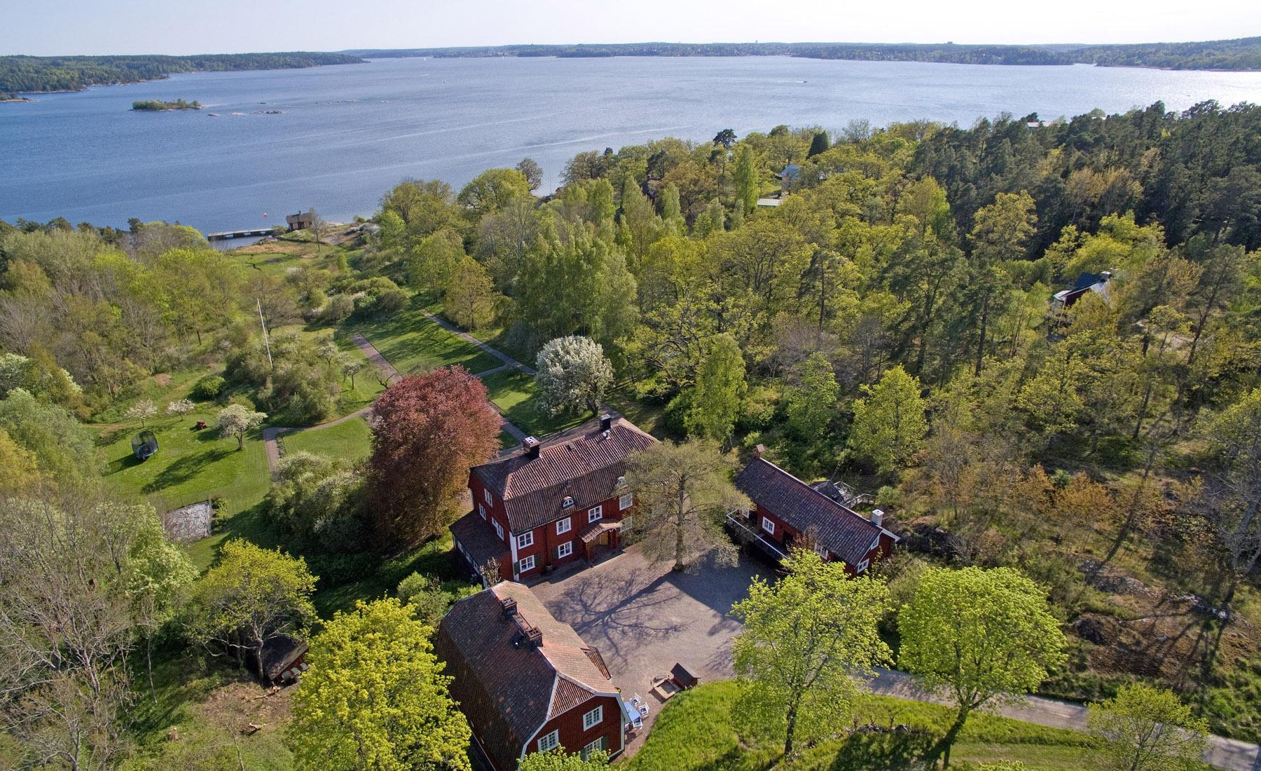 단독 가정 주택 용 매매 에 Outstanding 40 hectare property with a long shoreline Other Stockholm, Stockholm, 스웨덴