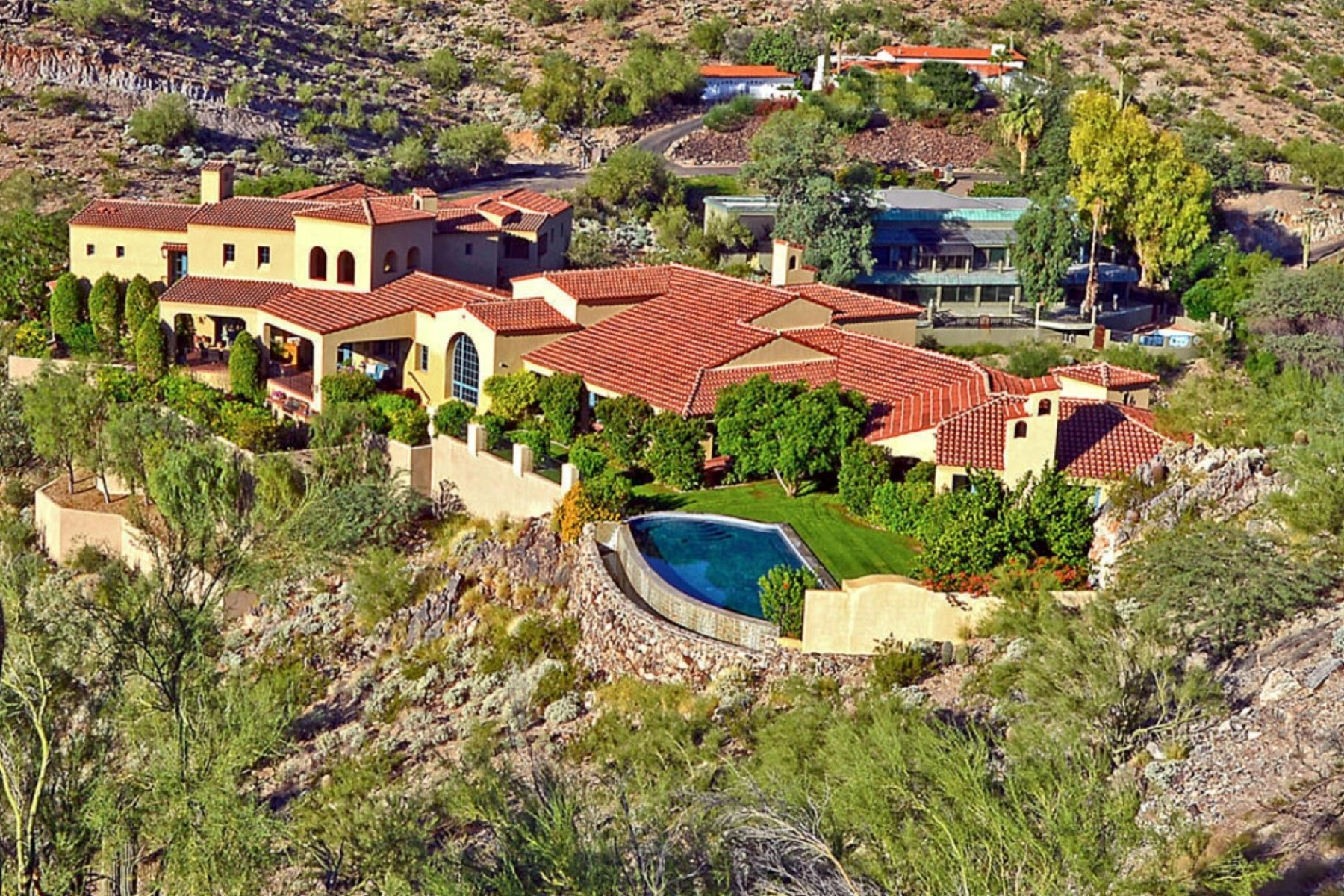 Maison unifamiliale pour l Vente à Spectacular Spanish Colonial Revival Styled Estate Home In Paradise Valley 4302 E Upper Ridge Way Paradise Valley, Arizona 85253 États-Unis