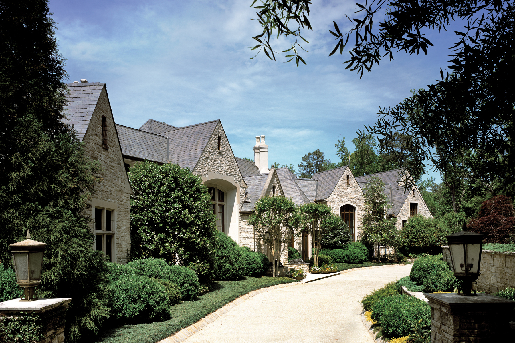 独户住宅 为 销售 在 Beautiful Custom Estate In Buckhead 2042 W Paces Ferry Road 亚特兰大, 乔治亚州, 30327 美国