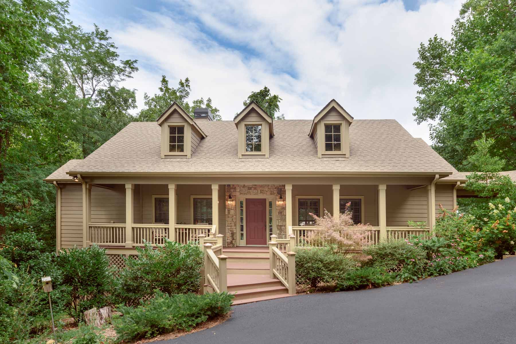 Single Family Home for Sale at Mountain Home One Hour from Atlanta Shows Like Model Shows Like a Model 1255 Deer Run Ridge Big Canoe, Georgia, 30143 United States