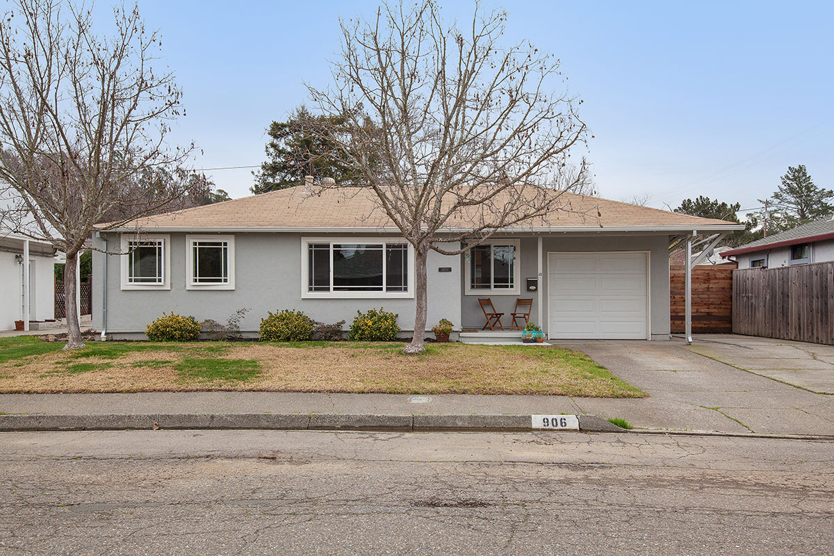 Single Family Home for Sale at 906 Maxwell 906 Maxwell Street Healdsburg, California 95448 United States