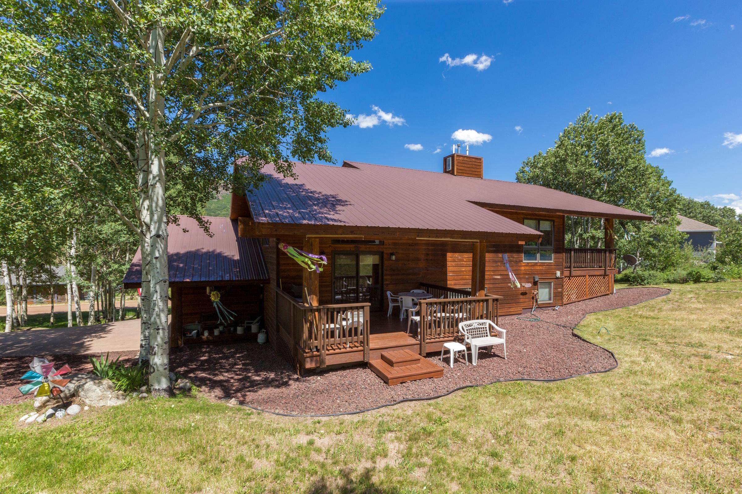Einfamilienhaus für Verkauf beim Private Eagles Watch Home 31155 Broken Talon Trail Oak Creek, Colorado, 80467 Vereinigte Staaten