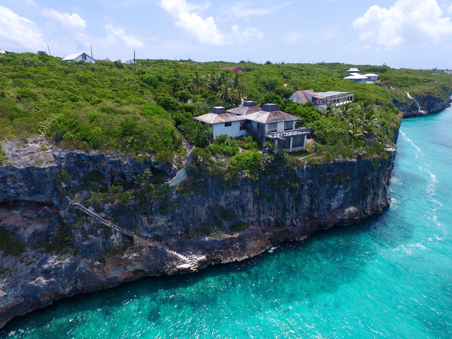 Additional photo for property listing at A Majestic View with Timeless Appeal Gregory Town, Eleuthera Bahamas