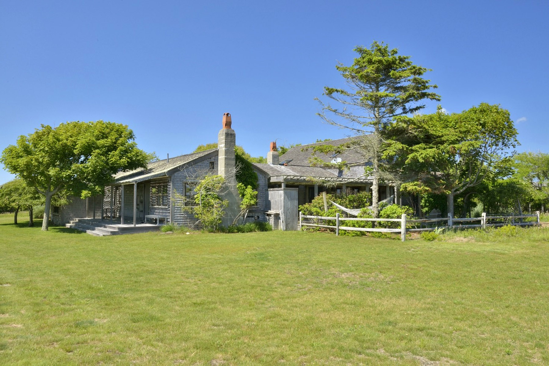 Villa per Vendita alle ore Tremendous Opportunity 101 Low Beach Road Nantucket, Massachusetts, 02554 Stati Uniti