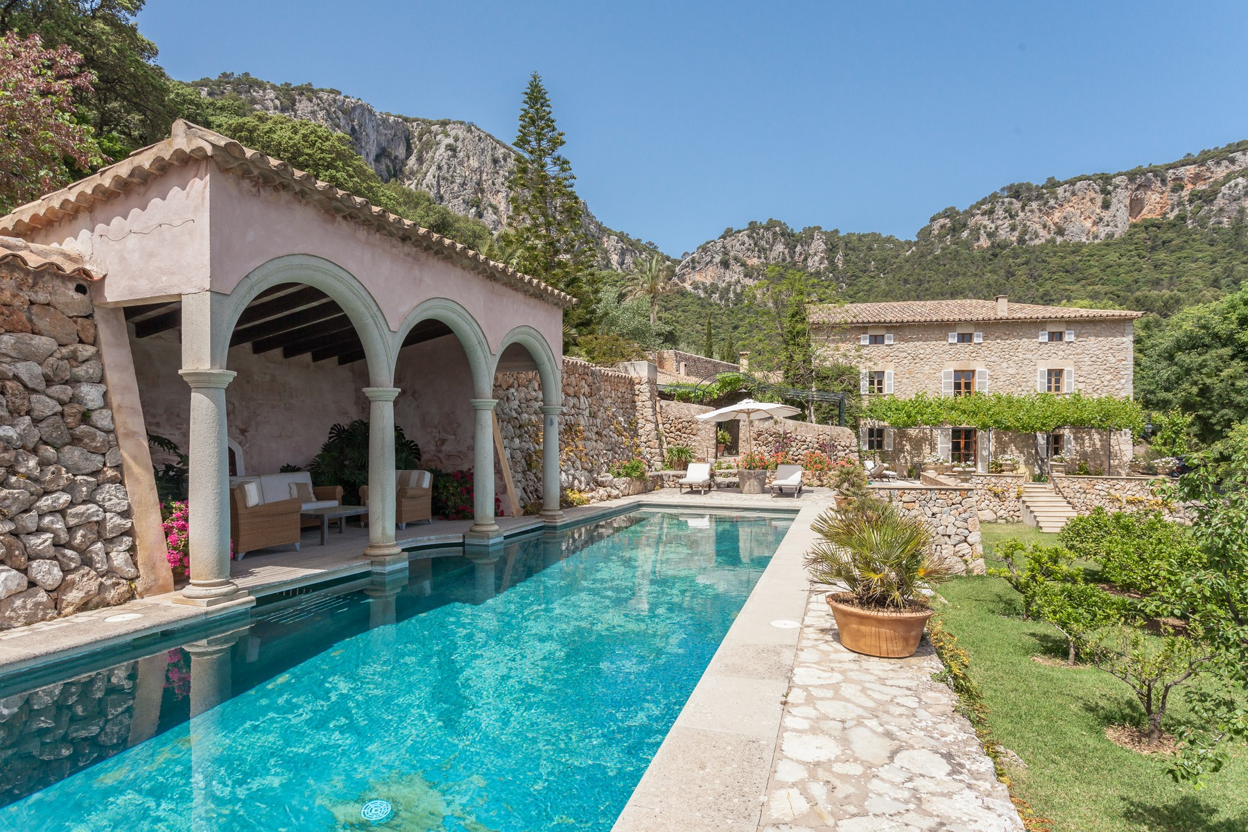 Single Family Home for Sale at Extraordinary Majorcan house in Esporles Esporles, Mallorca, 07190 Spain