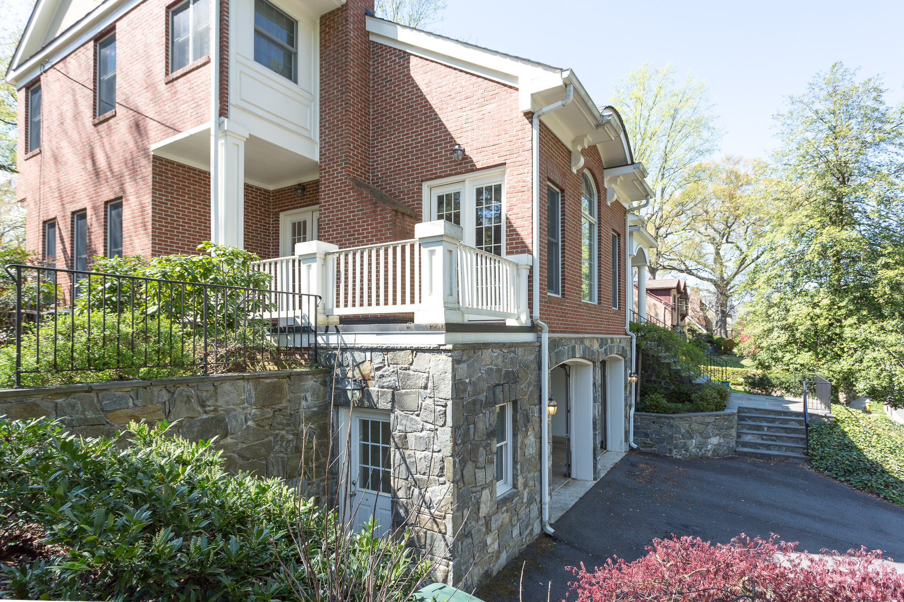 Additional photo for property listing at Arlingwood 4020 Randolph Street N Arlington, Virginia 22207 Estados Unidos
