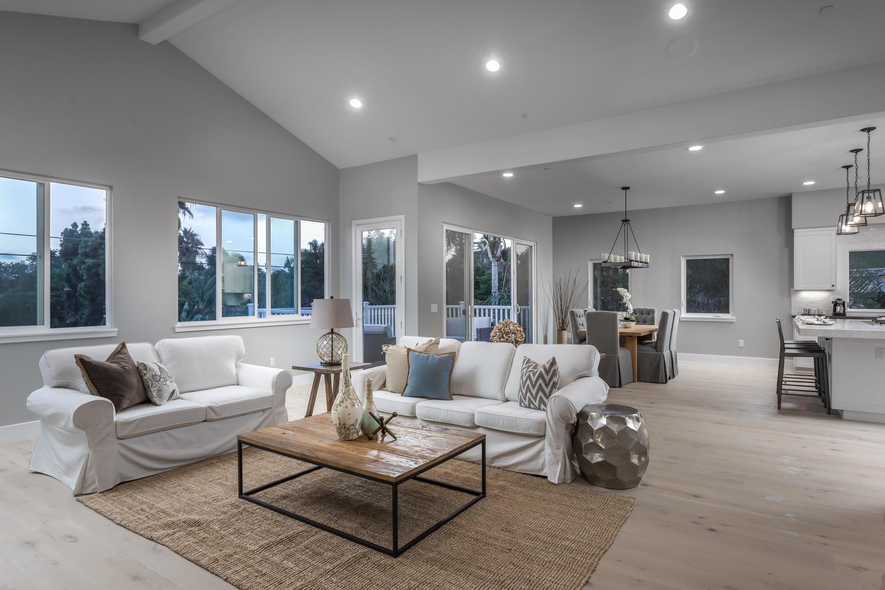 Maison unifamiliale pour l Vente à 1130 Stratford Street Encinitas, Californie 92024 États-Unis