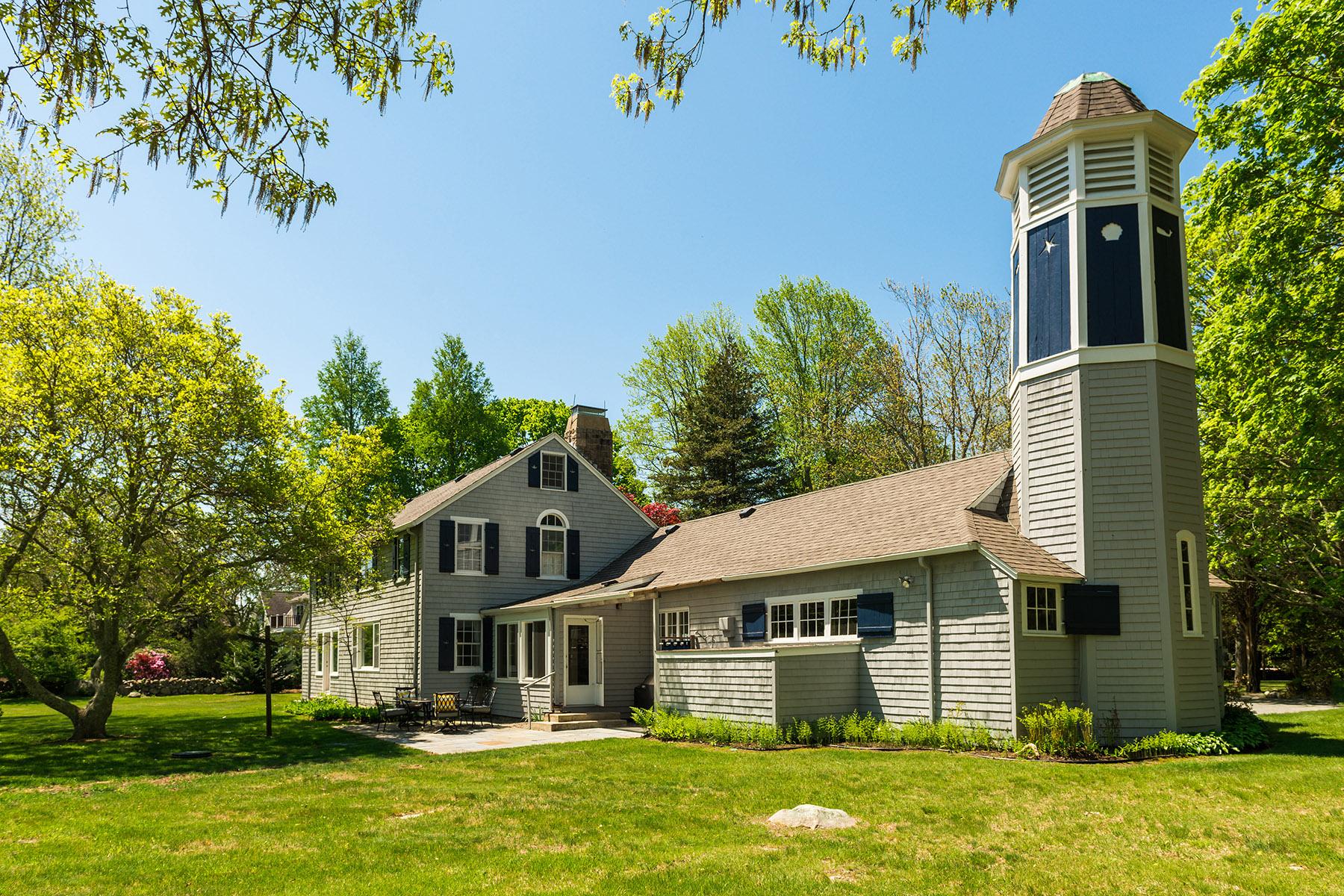Villa per Vendita alle ore Moulton House 264 East Beach Road Charlestown, Rhode Island 02813 Stati Uniti