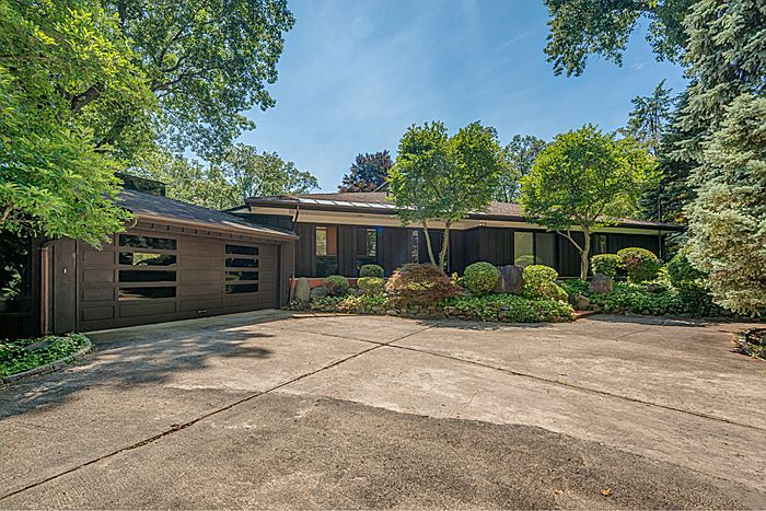 Property For Sale at Frank Lloyd Wright & Japanese Architecture