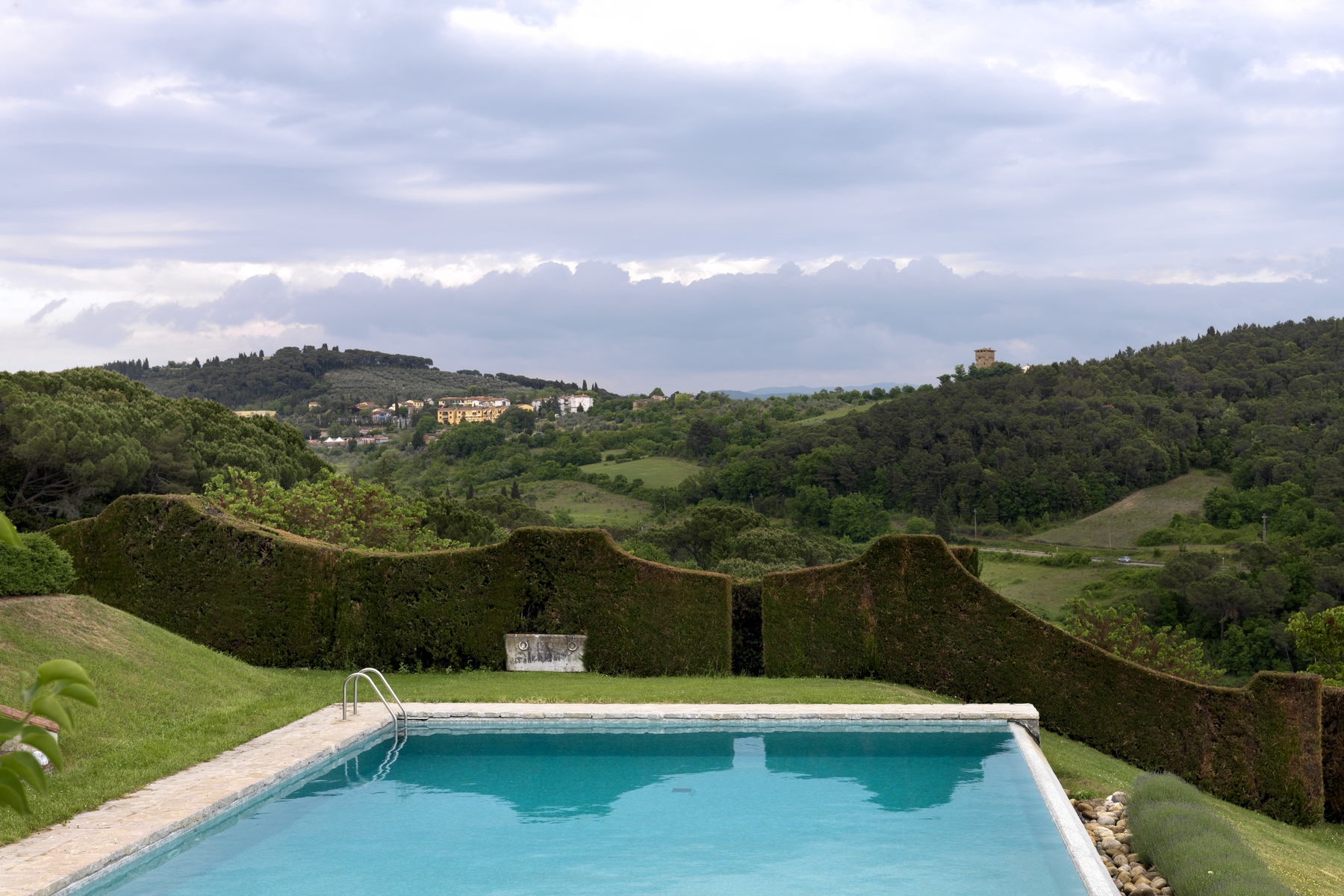 Additional photo for property listing at Beautiful villa with swimming pool close to Florence Impruneta, Florence Italie