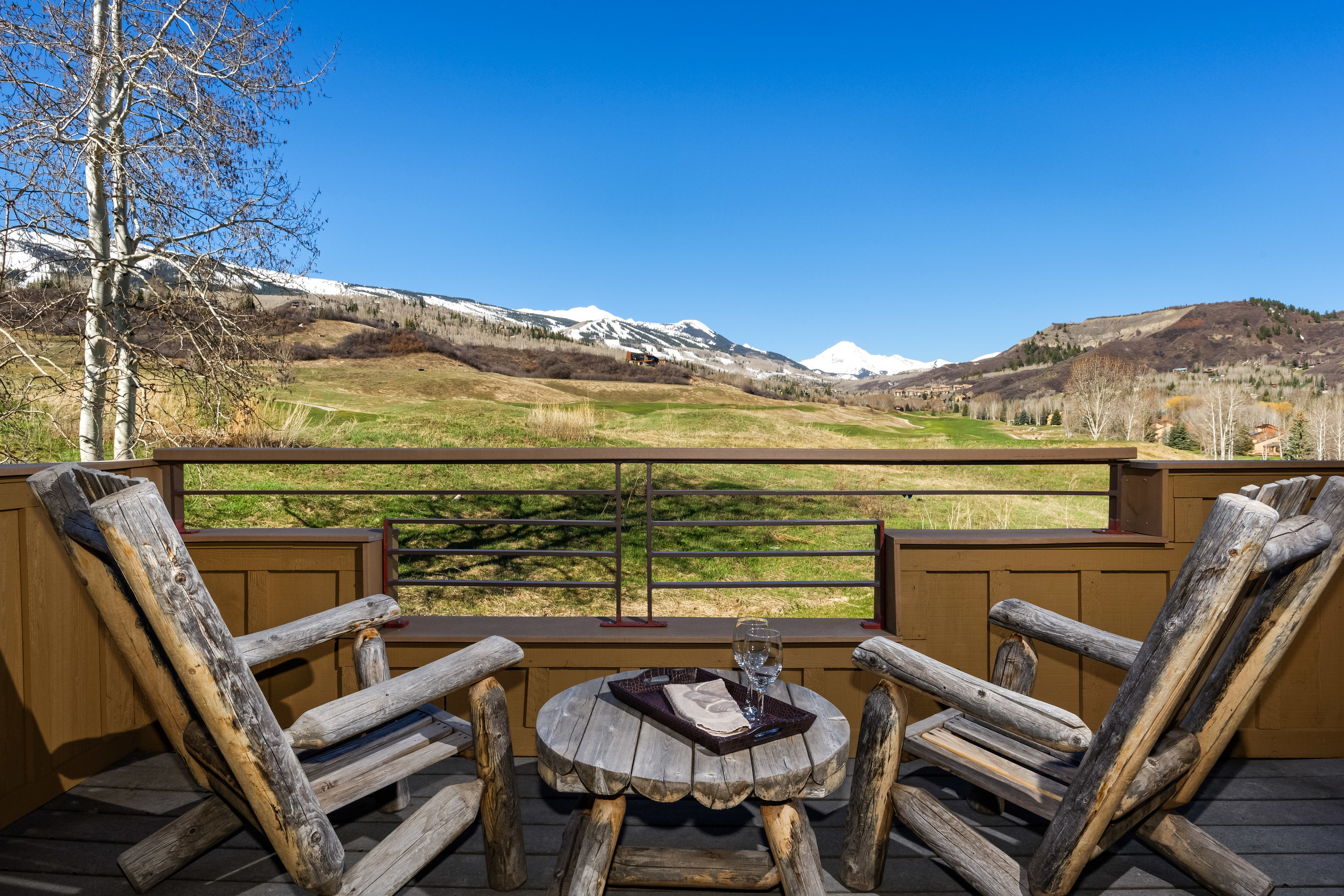 Condominio per Vendita alle ore Best Ski & Golf Location 150 Snowmass Club Circle, Unit 1627 Snowmass Village, Colorado, 81615 Stati Uniti