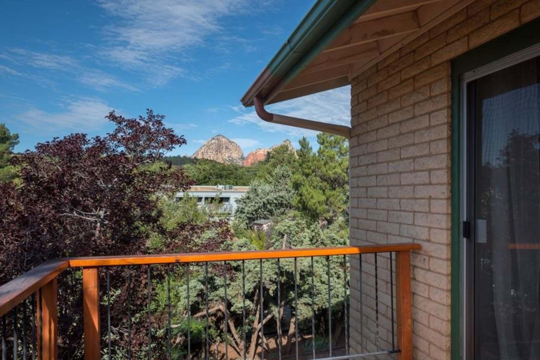 Vivienda unifamiliar por un Venta en Sedona home with red rock views. 535/530 Mountain View/Sunset Sedona, Arizona 86336 Estados Unidos