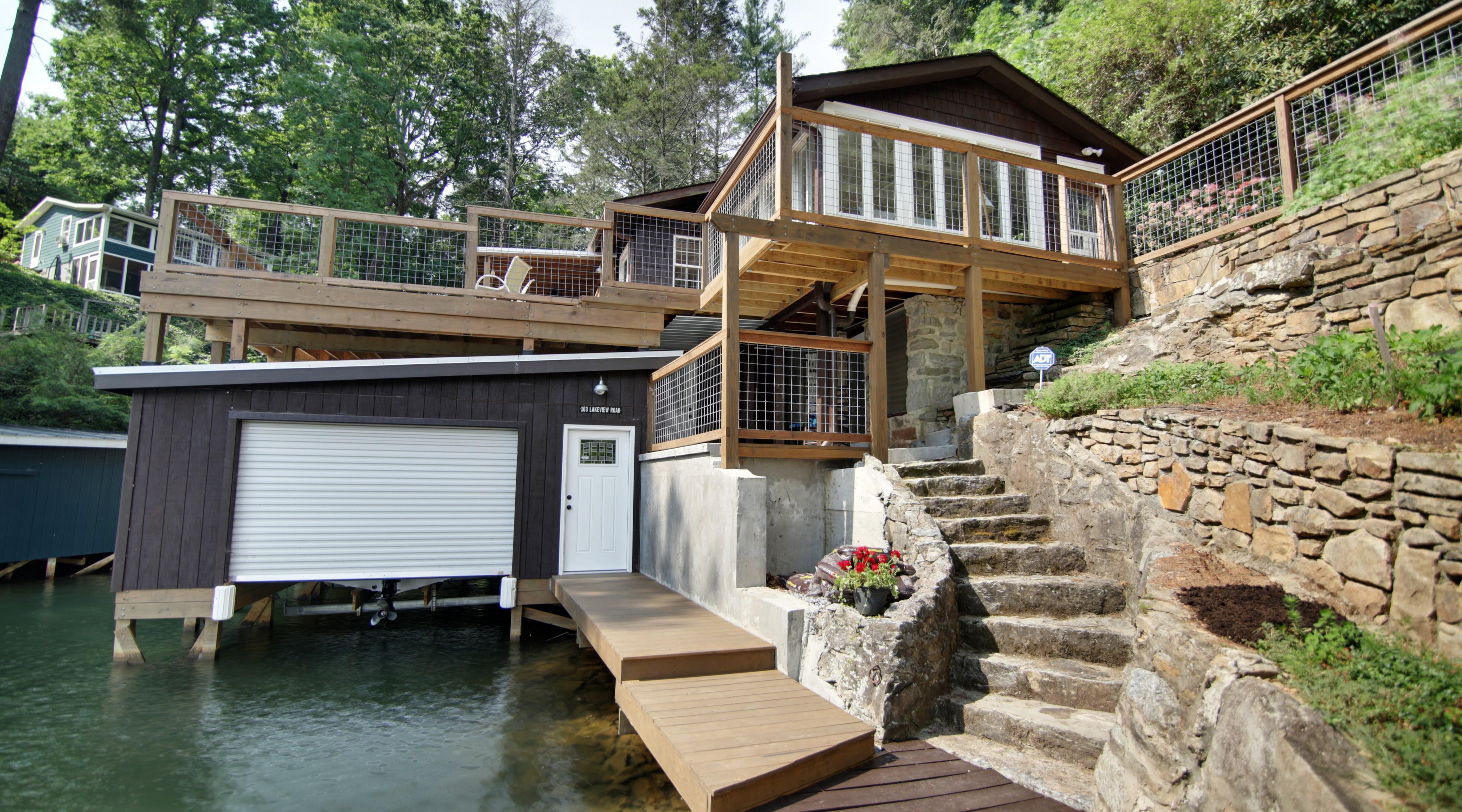 獨棟家庭住宅 為 出售 在 103 Lakeview Road 103 Lakeview Rd Lake Lure, 北卡羅來納州, 28746 美國