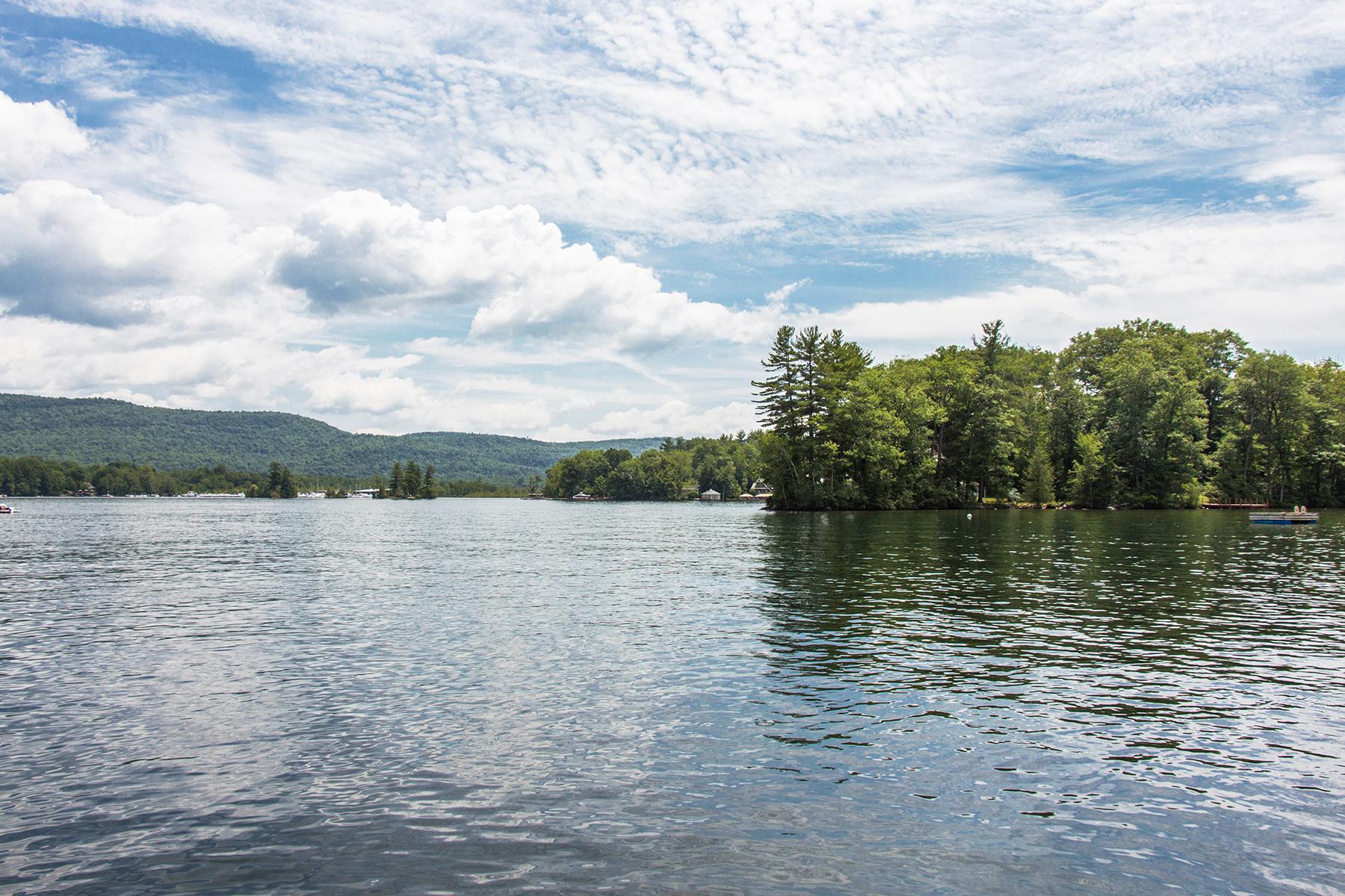 Autre résidentiel pour l Vente à Lake George Compound 139 Assembly Point Road Lake George, New York 12845 États-Unis