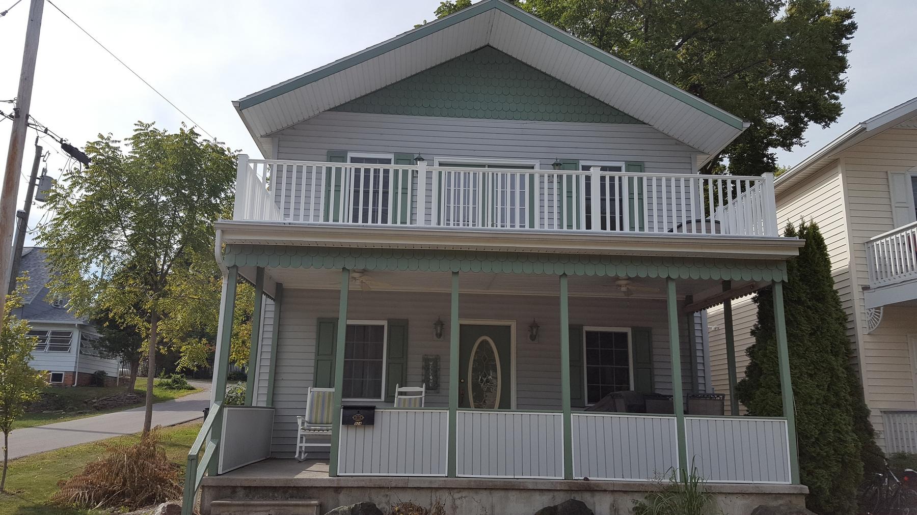 Single Family Home for Sale at 924 E. Sixth St. Lakeside, Ohio 43440 United States