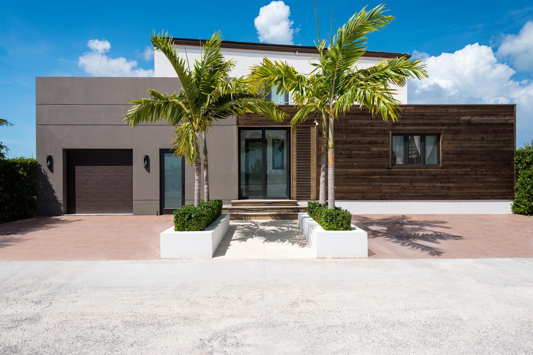 Maison unifamiliale pour l Vente à Contemporary Caribbean Waterfront Villa Leeward, Providenciales Îles Turques Et Caïques