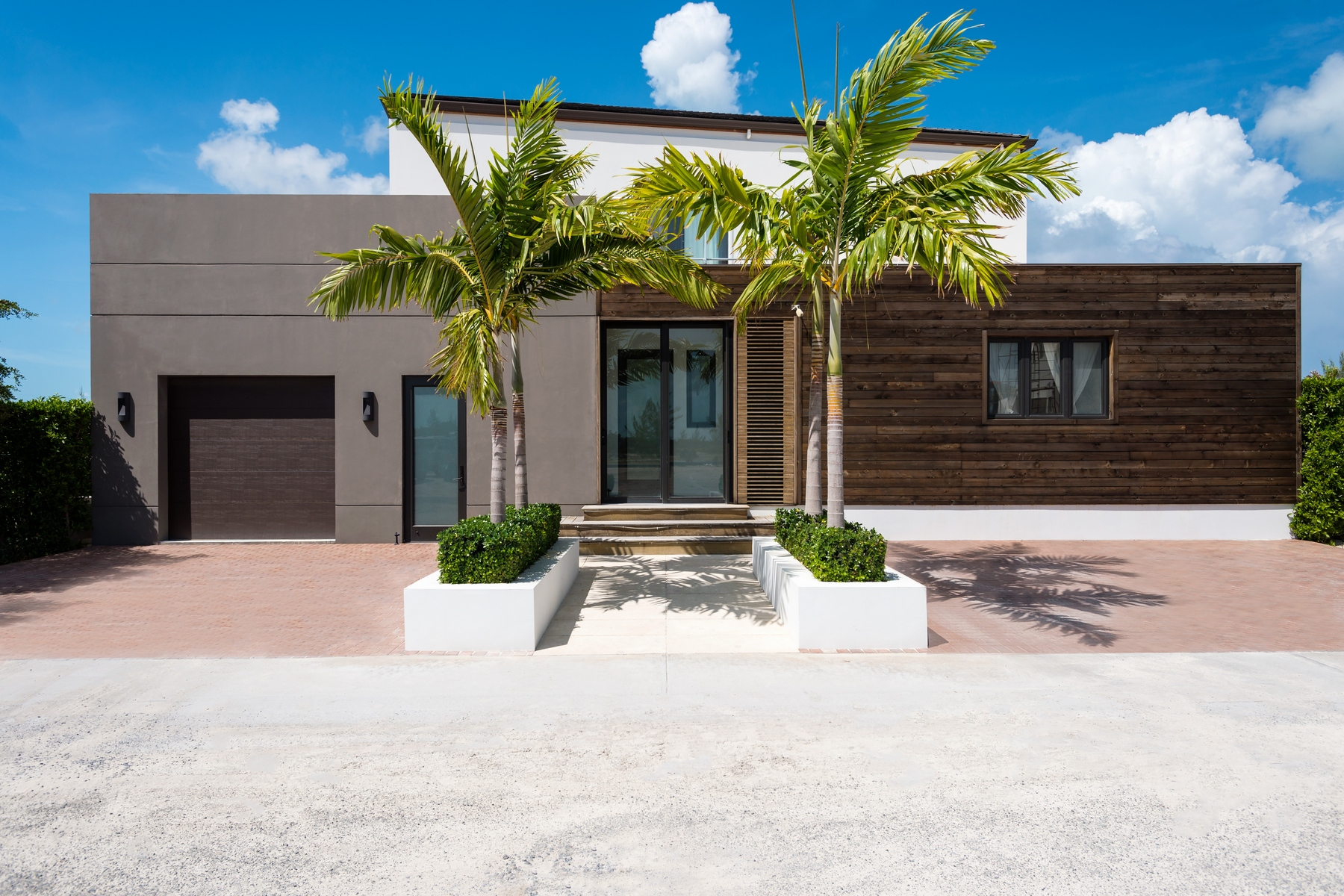 Moradia para Venda às Contemporary Caribbean Waterfront Villa Leeward, Providenciales Turks E Caicos