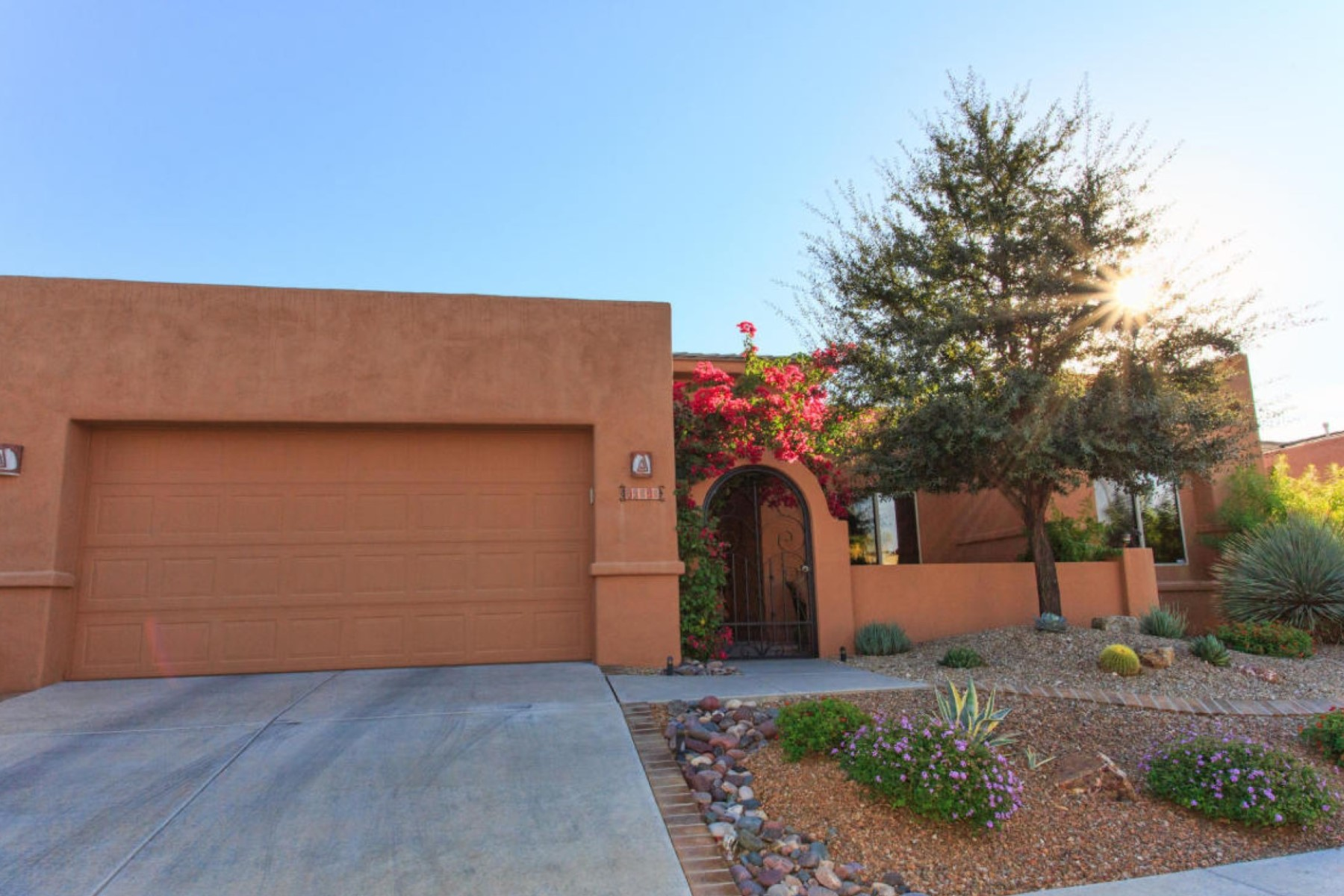 Single Family Home for Sale at Beautiful Home In Highly Desirable Gated Fairfield Rancho Vistoso 13818 N Slazenger Drive Oro Valley, Arizona 85755 United States