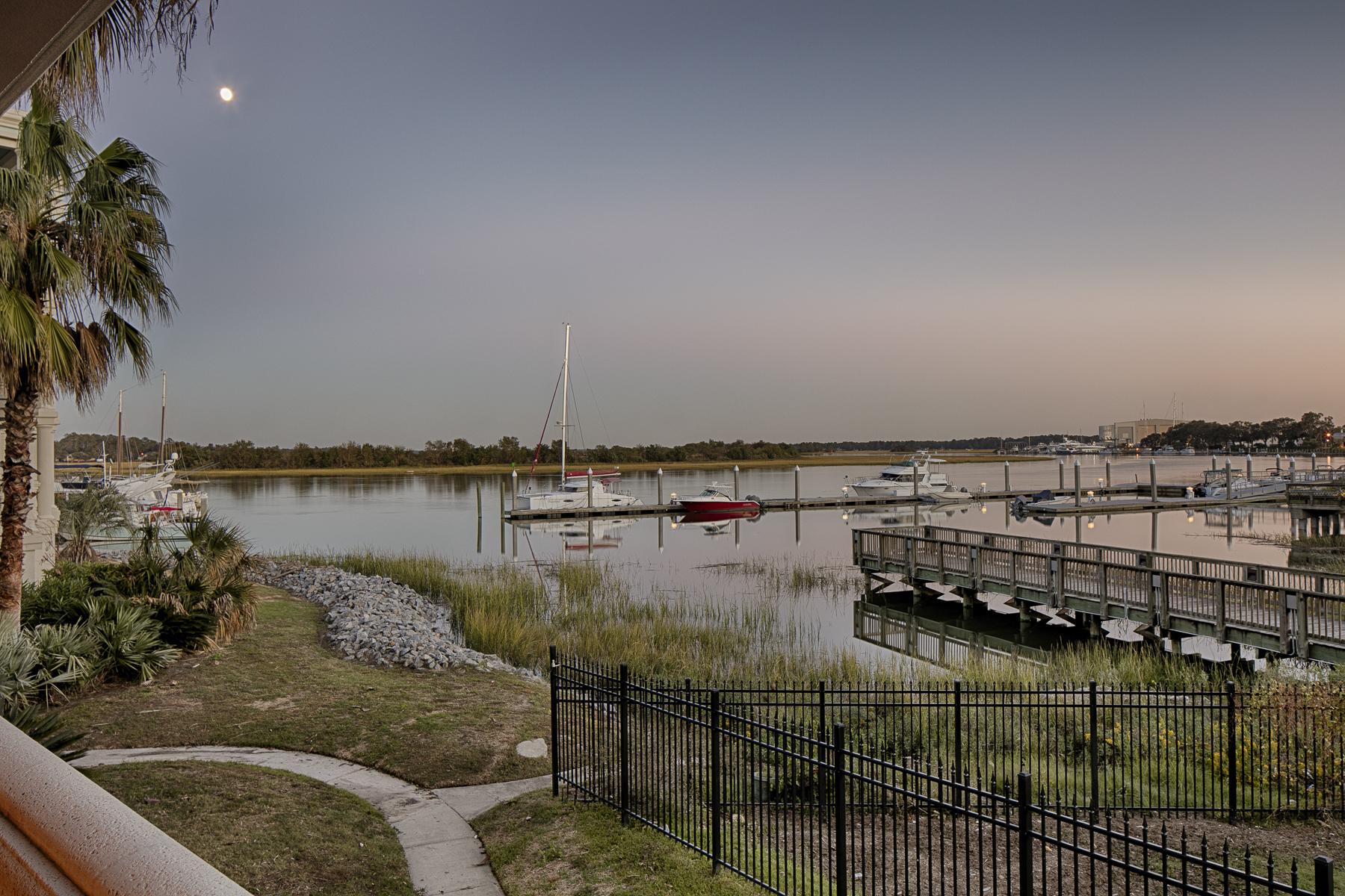 Eigentumswohnung für Verkauf beim Bahia Bleu 2812 River Drive Unit 105 Thunderbolt, Georgia, 31404 Vereinigte Staaten
