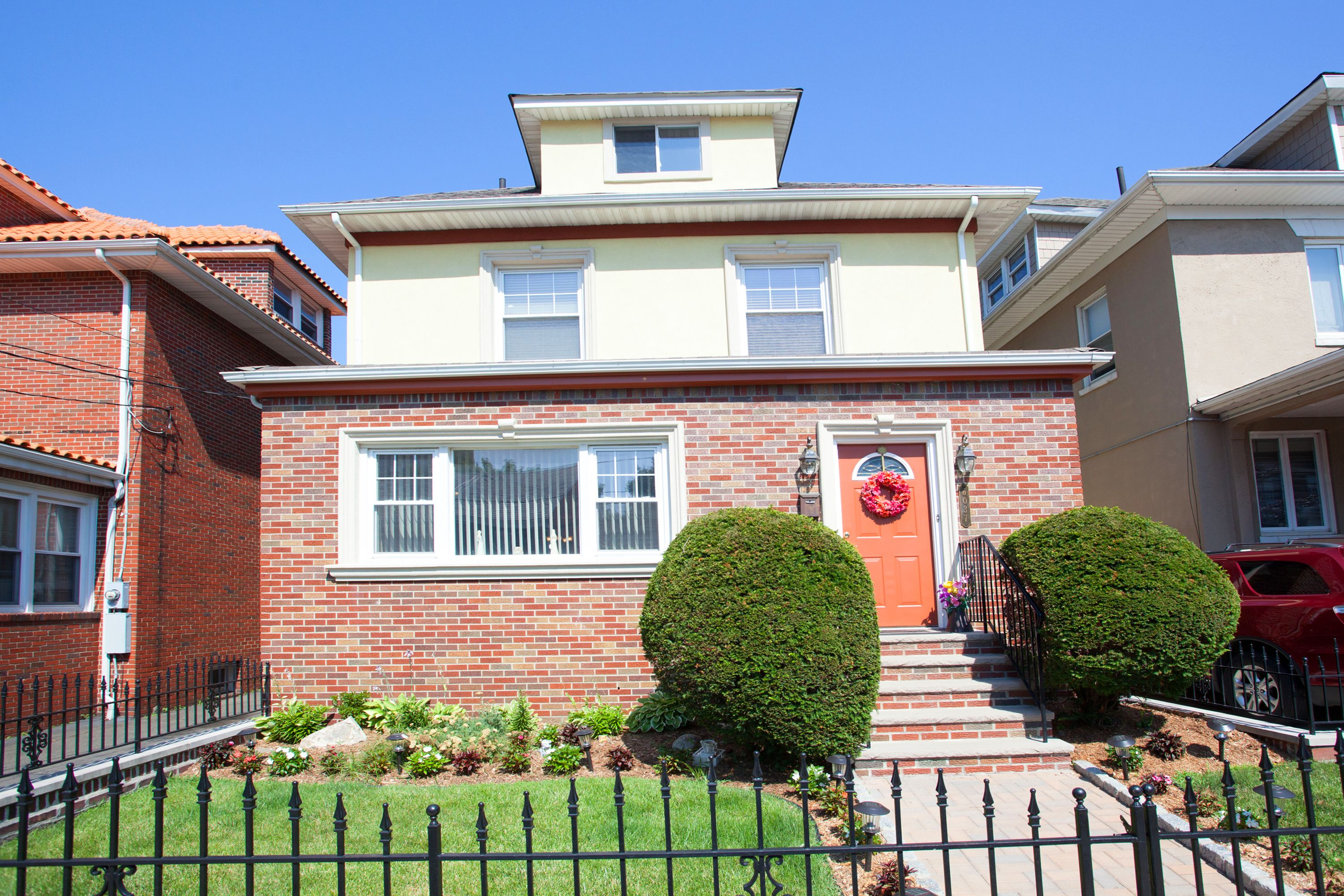Single Family Home for Sale at Beautiful Home Magnificent Views 6037 Monitor Place West New York, New Jersey 07093 United States